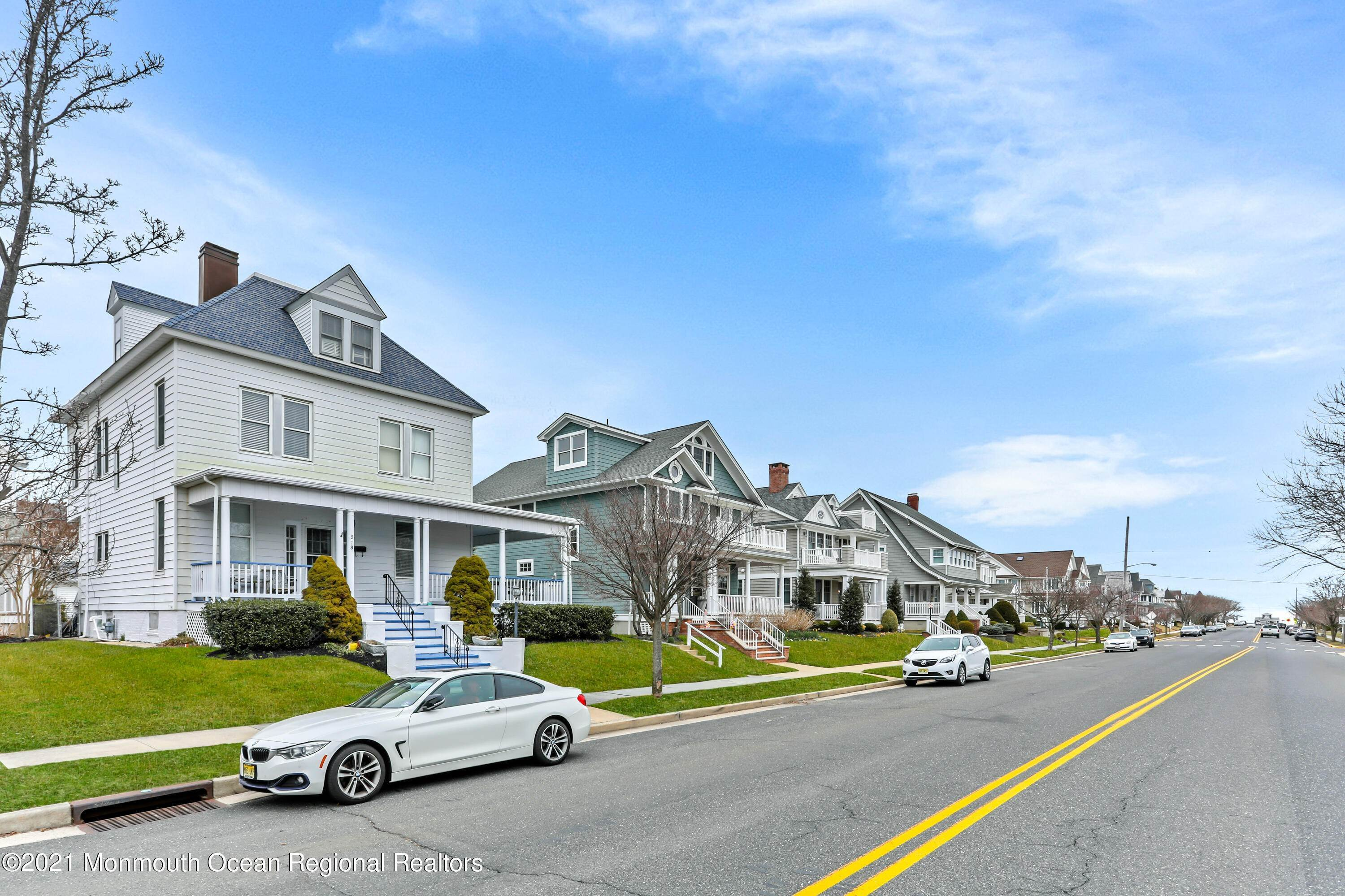 6. Single Family Homes for Sale at 218 Sylvania Avenue Avon by the Sea, New Jersey 07717 United States