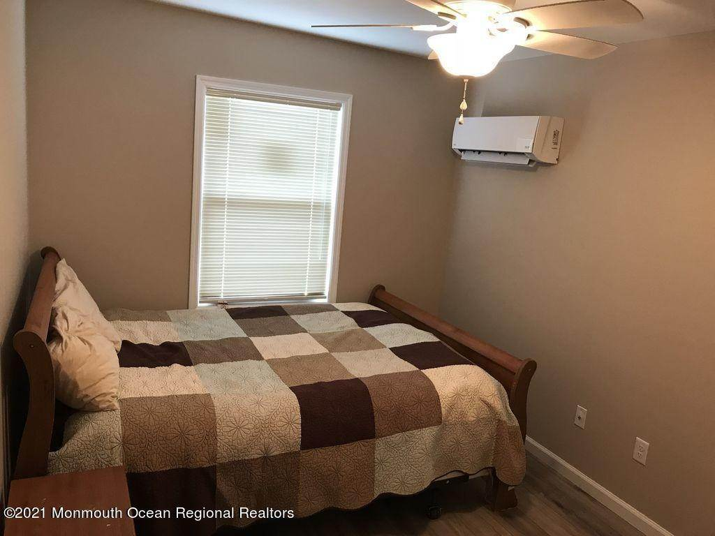 4. Single Family Homes for Sale at 241 Hiering Avenue Seaside Heights, New Jersey 08751 United States