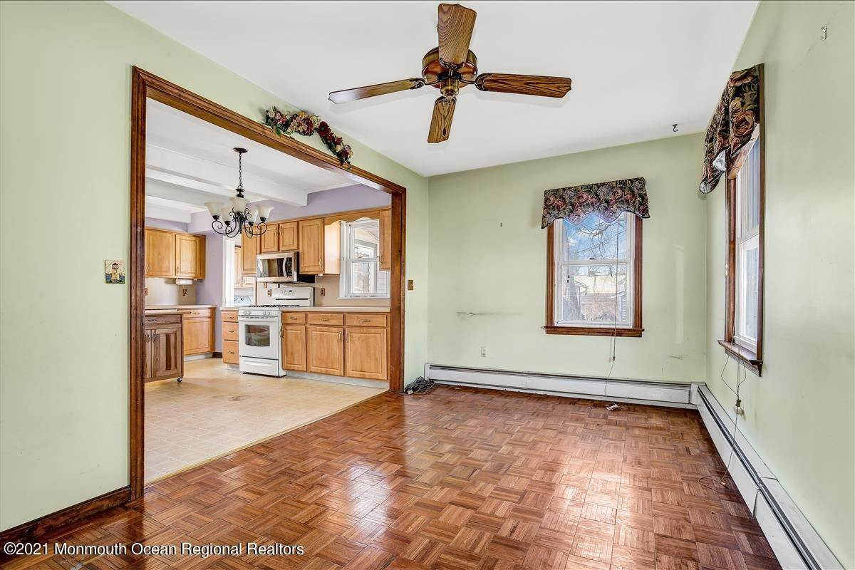 19. Single Family Homes for Sale at 19 Oak Terrace Neptune City, New Jersey 07753 United States