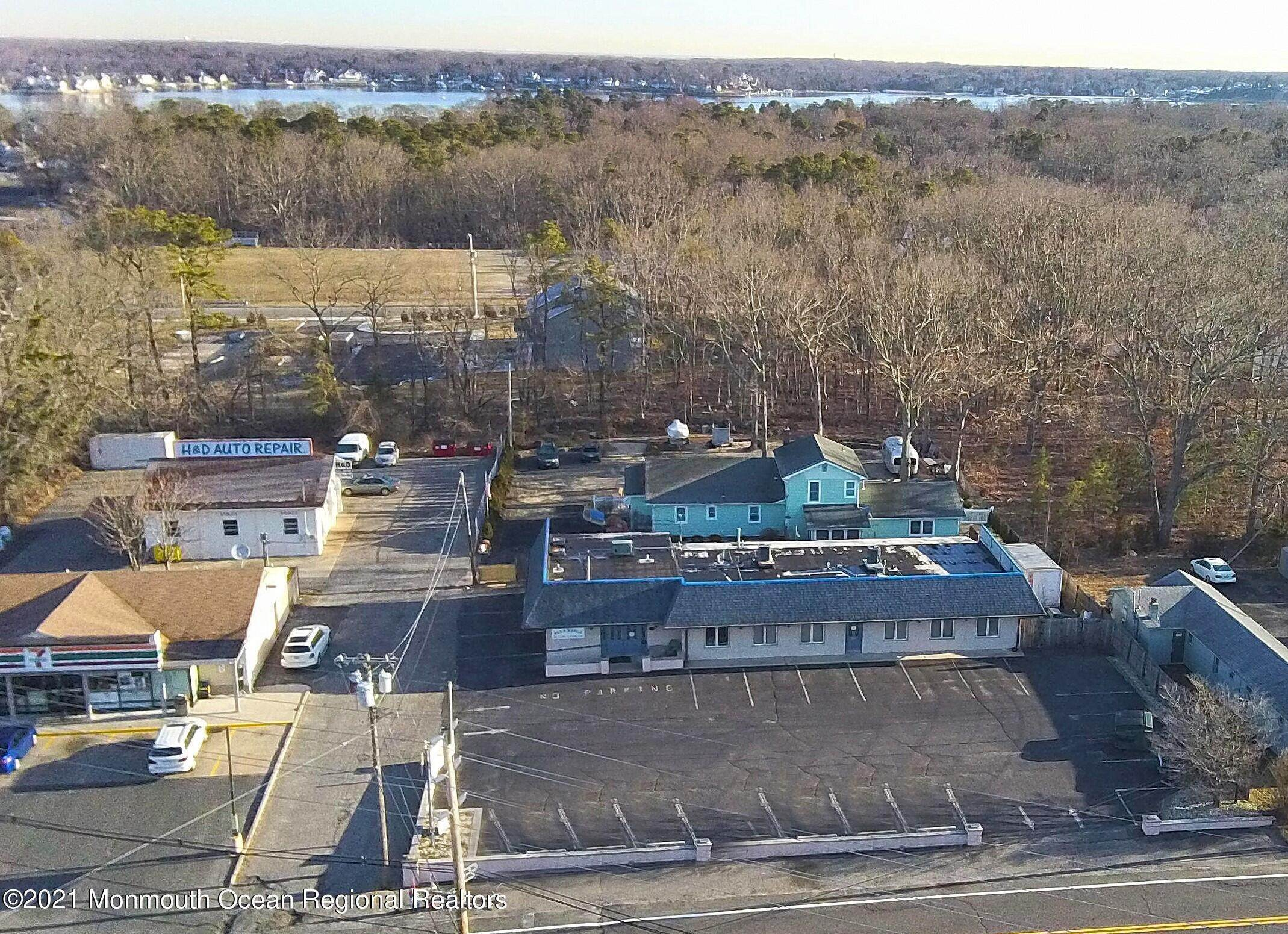 5. Commercial for Sale at 200 Grant Avenue Pine Beach, New Jersey 08741 United States