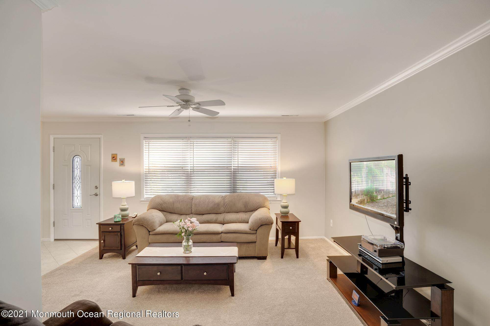13. Single Family Homes for Sale at 1 Brookside Road Neptune, New Jersey 07753 United States