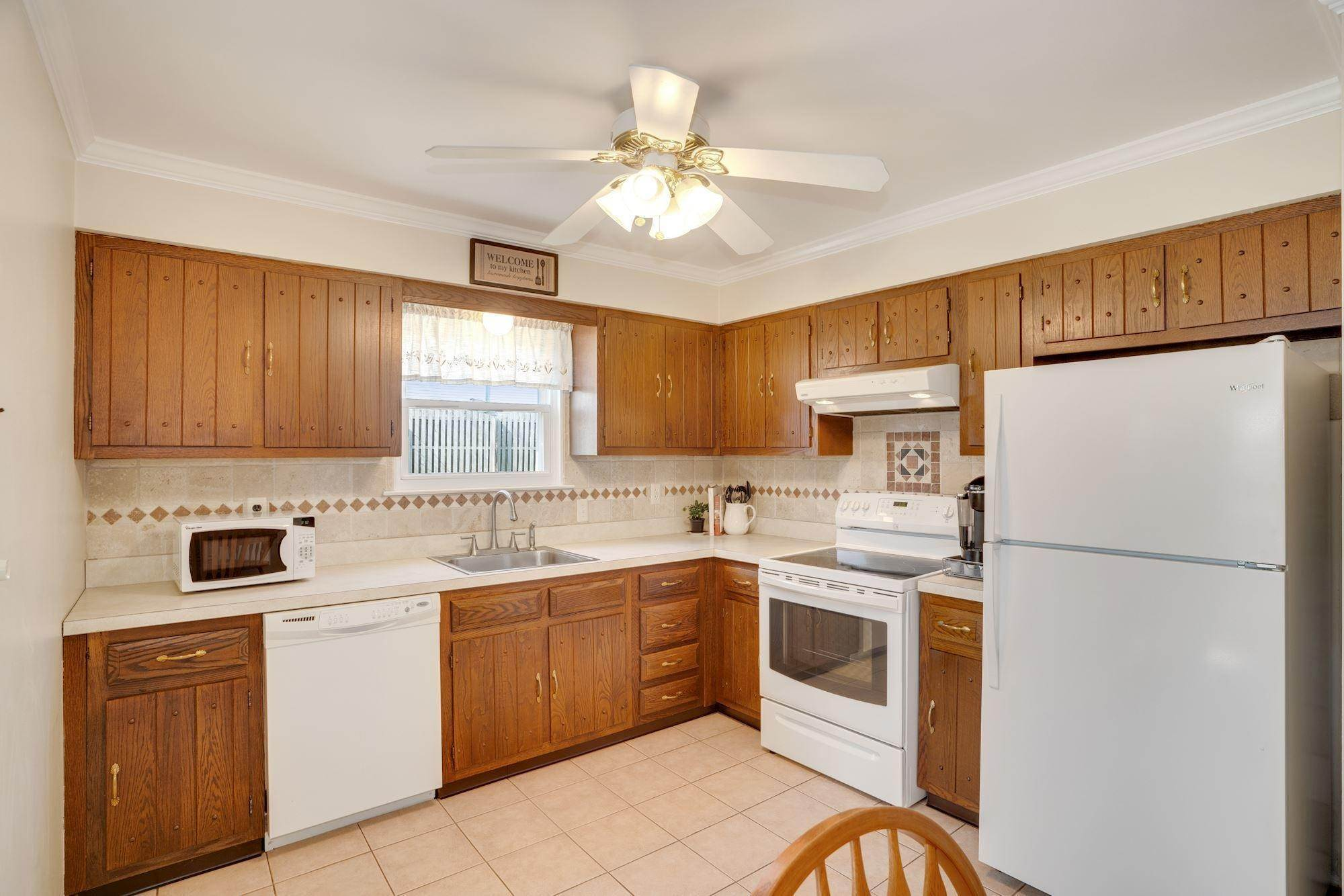 6. Single Family Homes for Sale at 1 Brookside Road Neptune, New Jersey 07753 United States