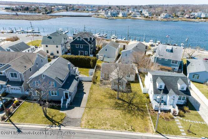 Single Family Homes for Sale at 369 River Place Manasquan, New Jersey 08736 United States