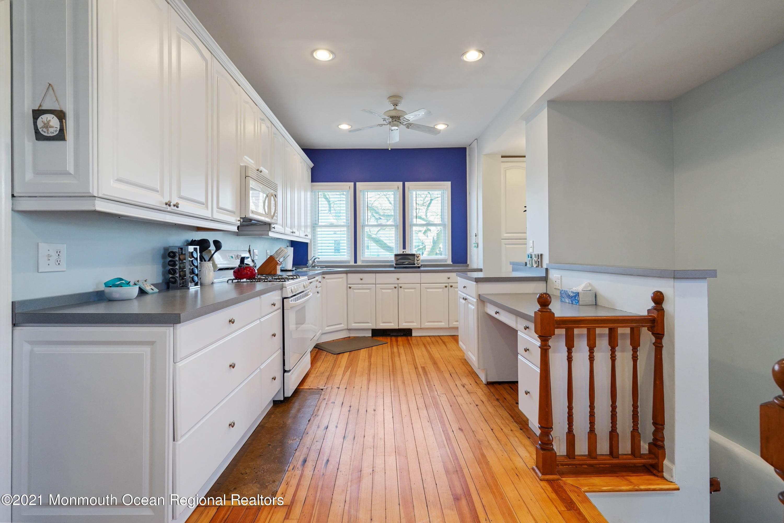 12. Single Family Homes for Sale at 342 Lincoln Avenue Avon by the Sea, New Jersey 07717 United States