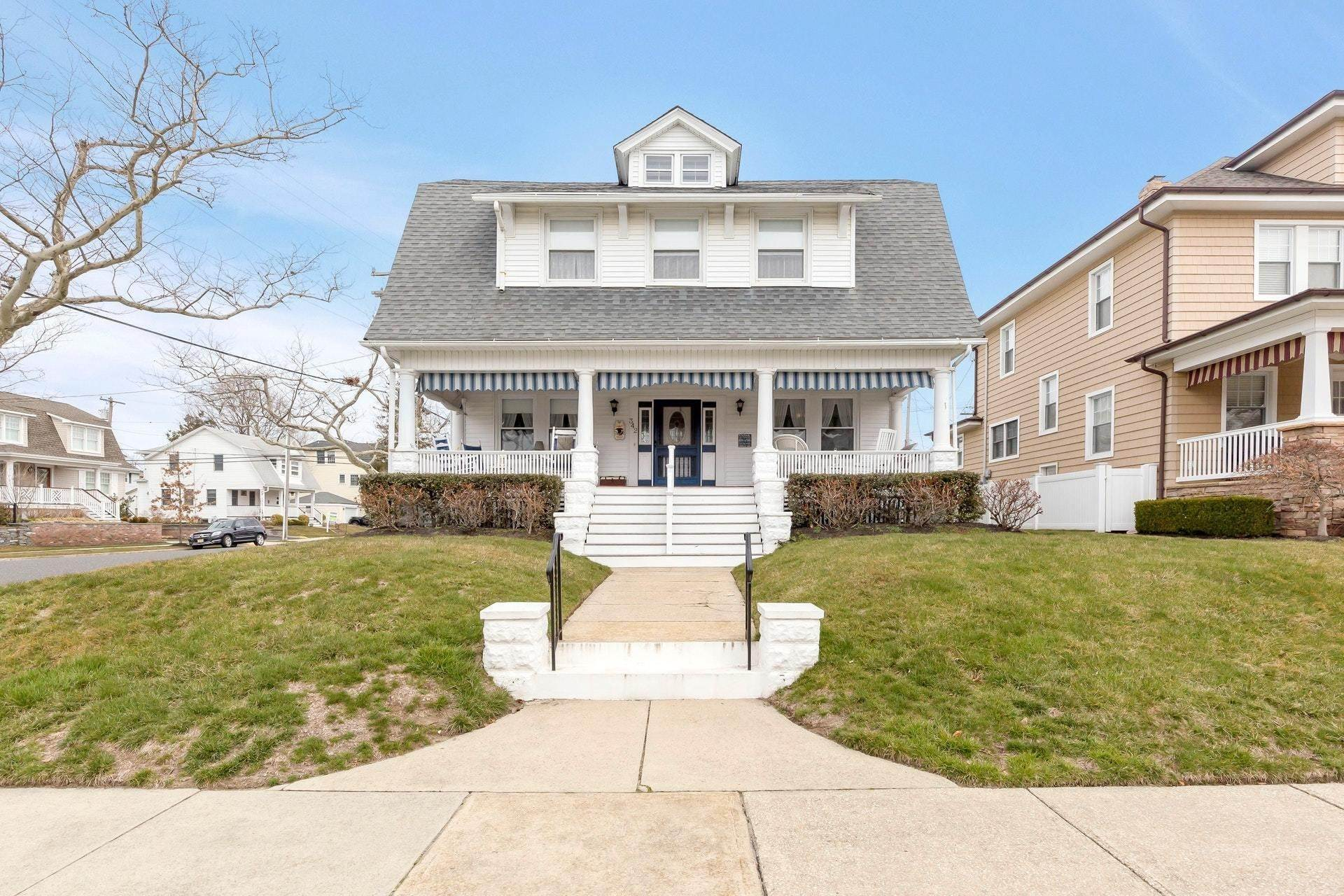 3. Single Family Homes for Sale at 342 Lincoln Avenue Avon by the Sea, New Jersey 07717 United States