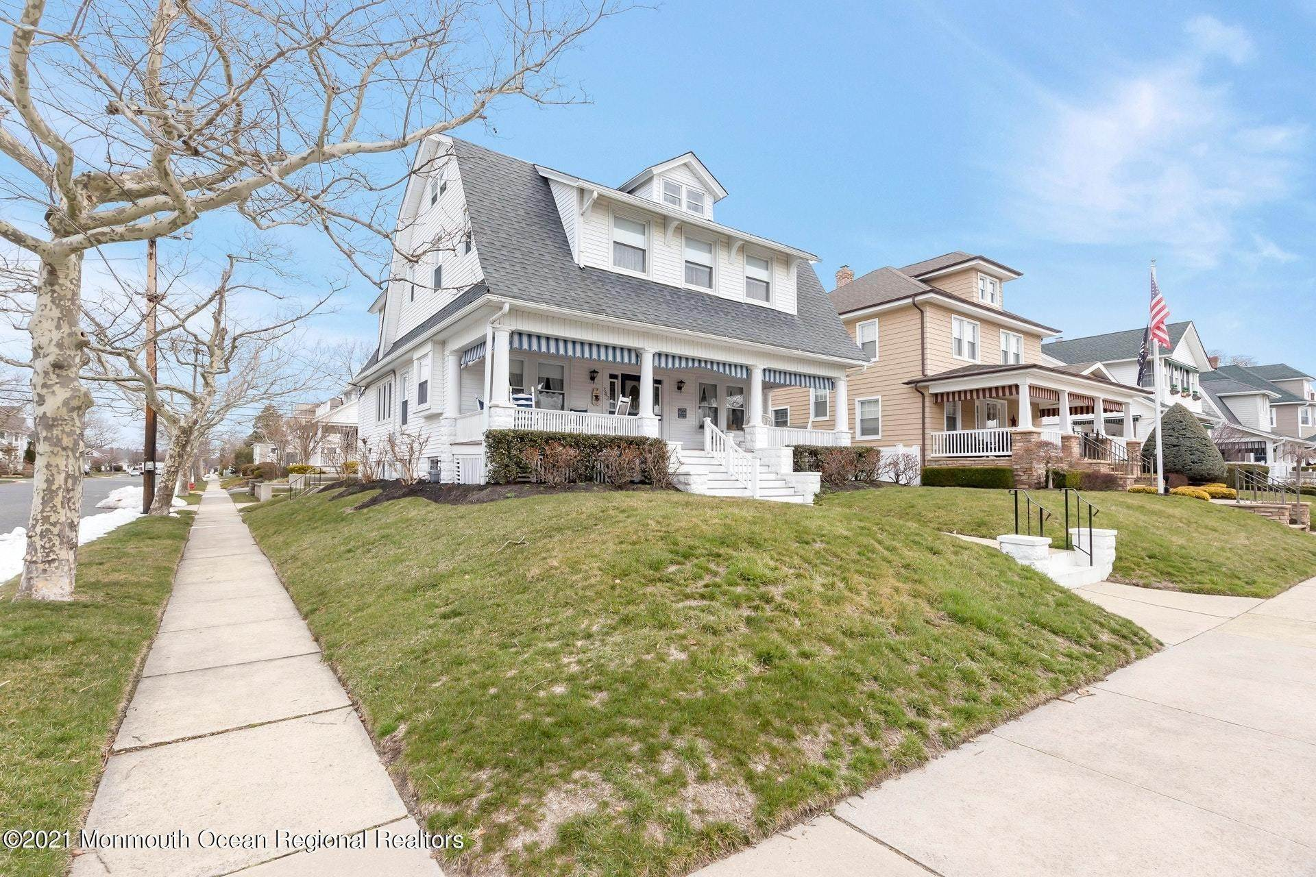 39. Single Family Homes for Sale at 342 Lincoln Avenue Avon by the Sea, New Jersey 07717 United States