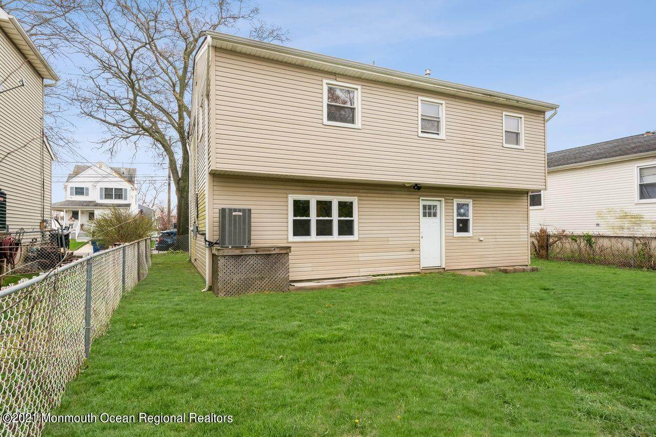 31. Single Family Homes for Sale at 650 Monmouth Avenue Port Monmouth, New Jersey 07758 United States