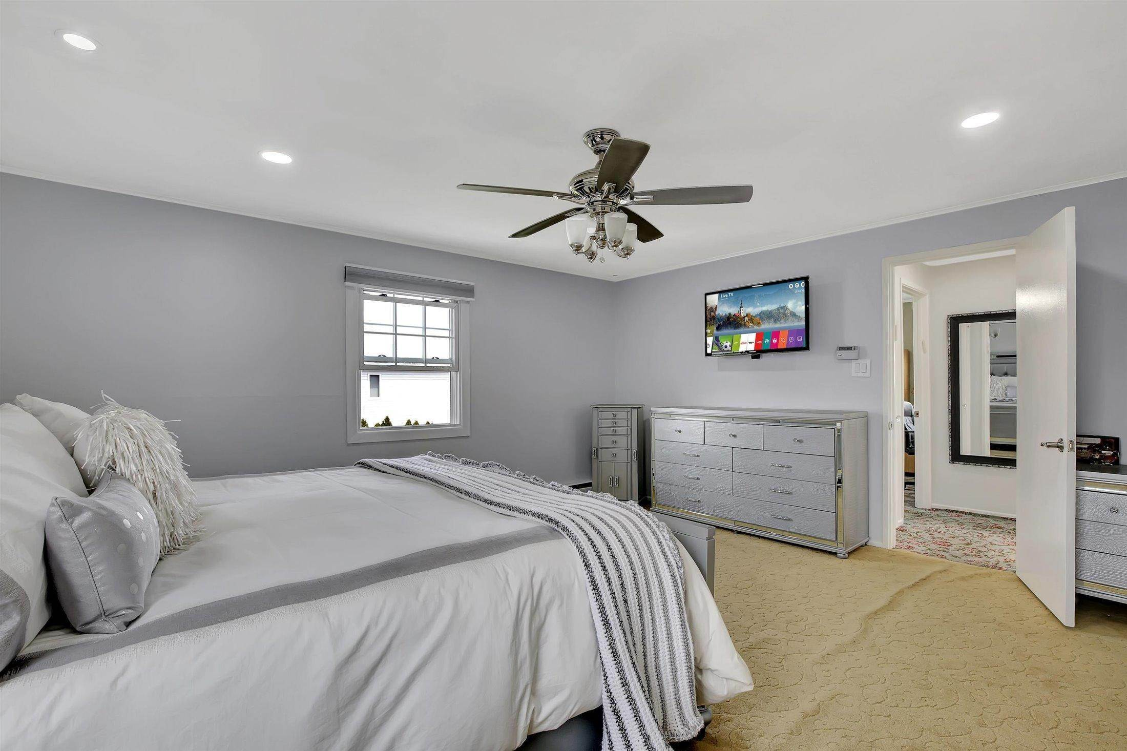17. Single Family Homes for Sale at 251 Highland Avenue Long Branch, New Jersey 07740 United States