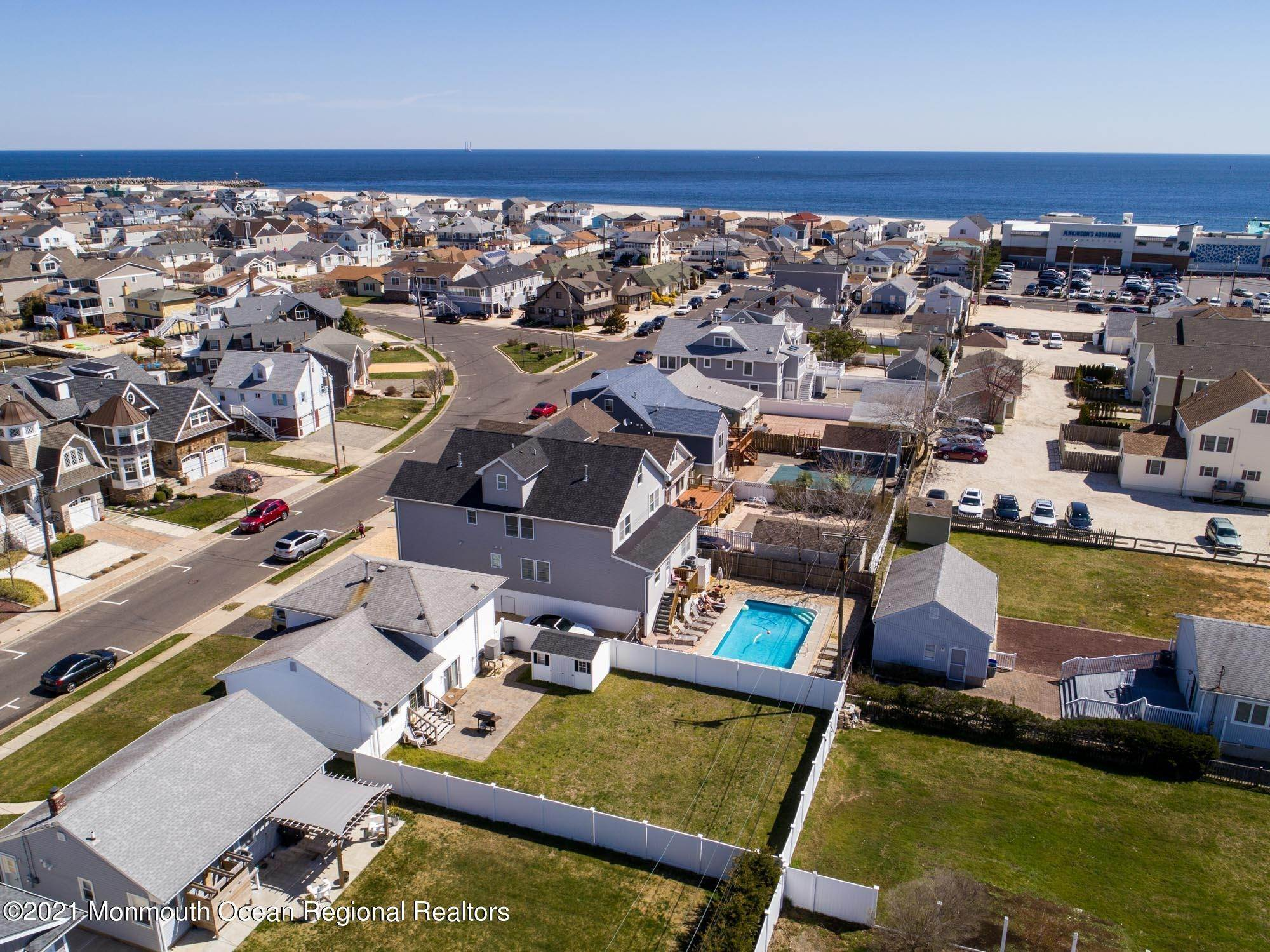 41. Single Family Homes for Sale at 34 Niblick Street Point Pleasant Beach, New Jersey 08742 United States
