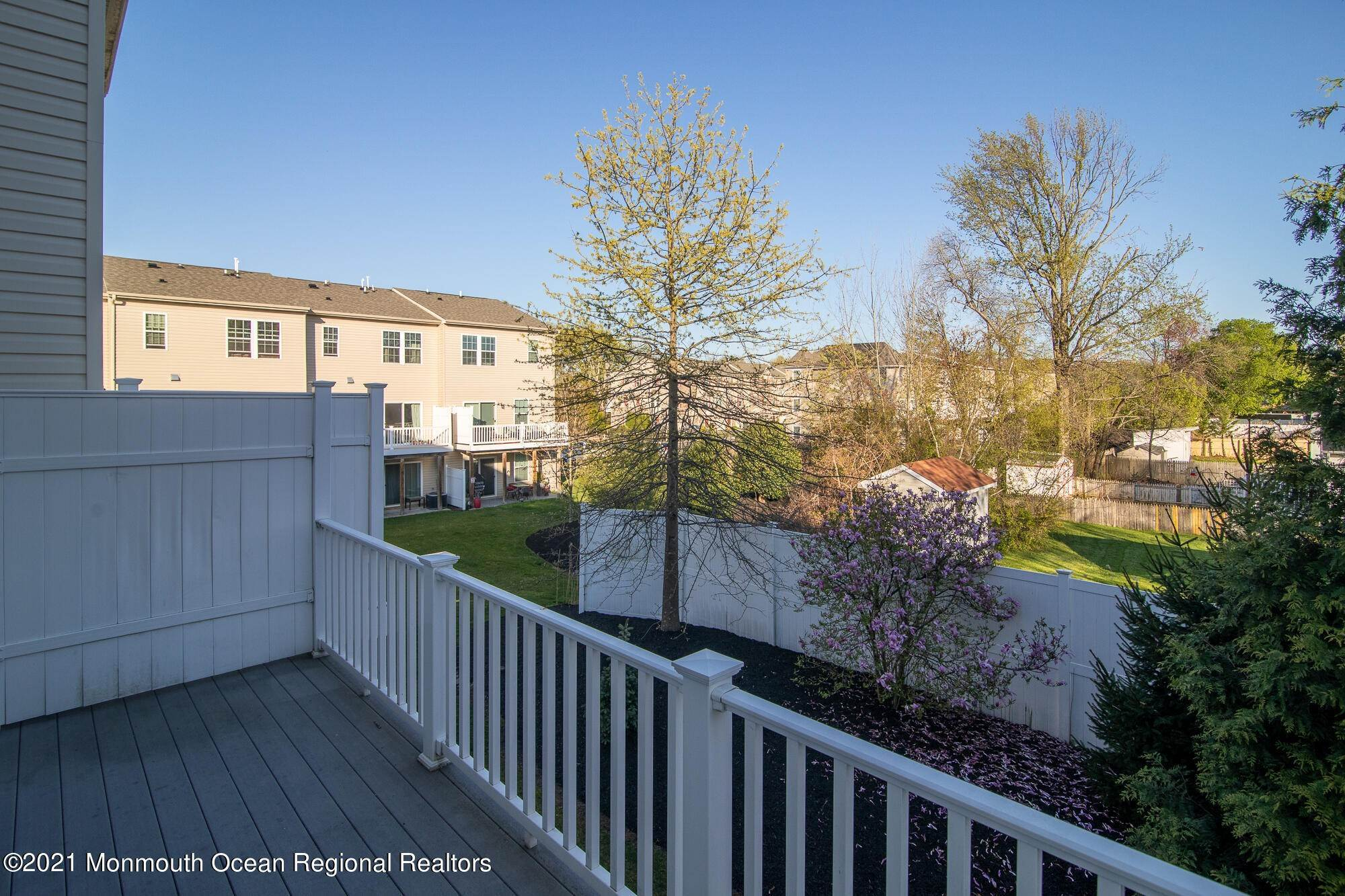 16. Condominiums for Sale at 106 Phillip E Frank Way Cliffwood, New Jersey 07721 United States