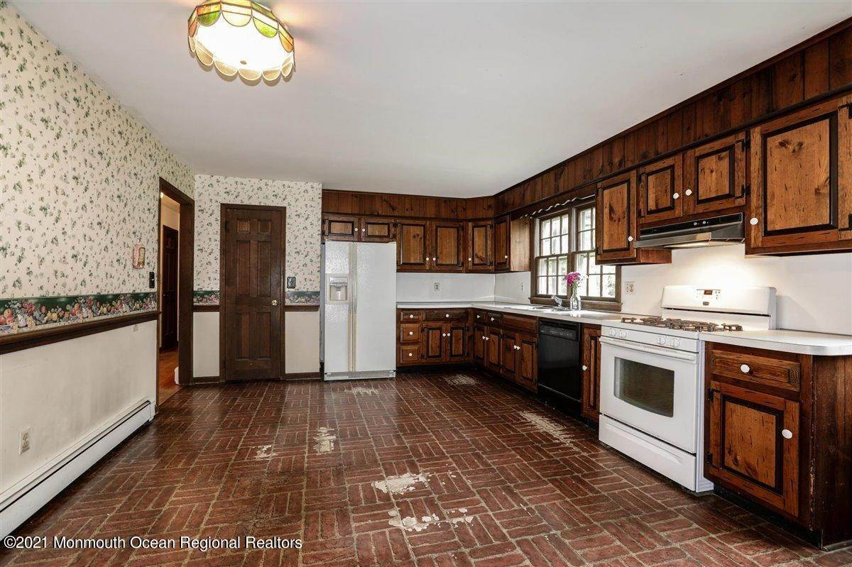 20. Single Family Homes for Sale at 3500 Belmar Boulevard Wall, New Jersey 07753 United States