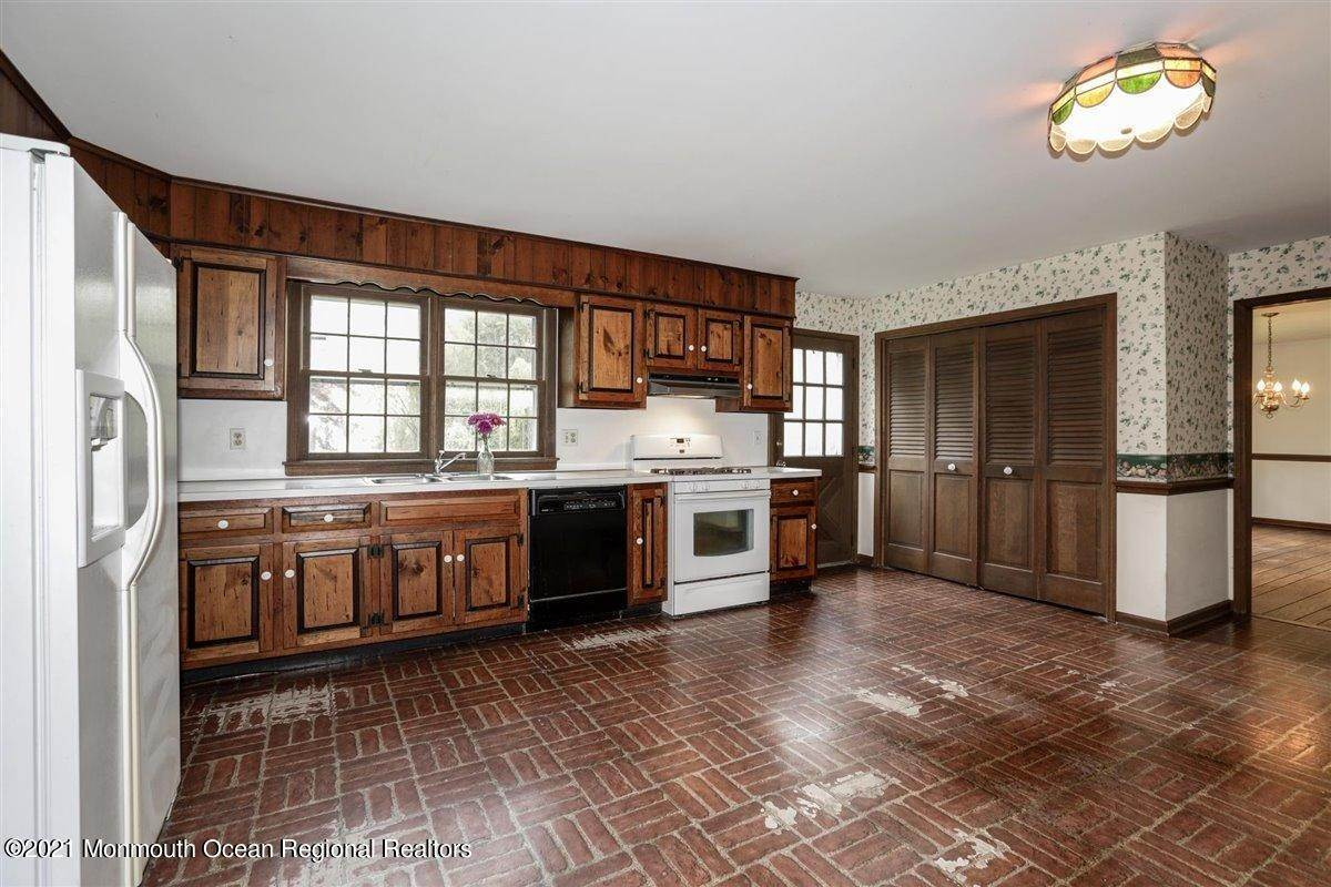 22. Single Family Homes for Sale at 3500 Belmar Boulevard Wall, New Jersey 07753 United States