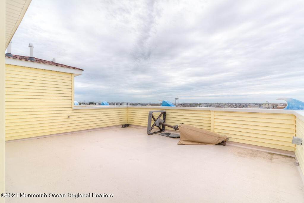 19. Condominiums for Sale at 119 Dupont Avenue Seaside Heights, New Jersey 08751 United States