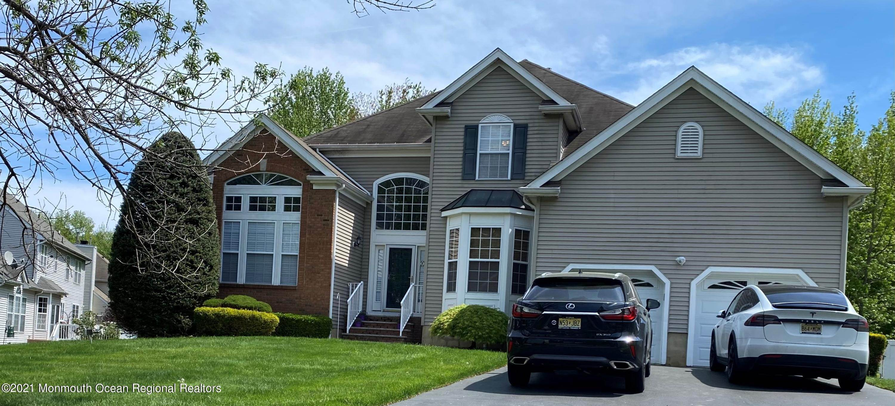 Single Family Homes for Sale at 20 Spruce Meadows Drive Monroe, New Jersey 08831 United States