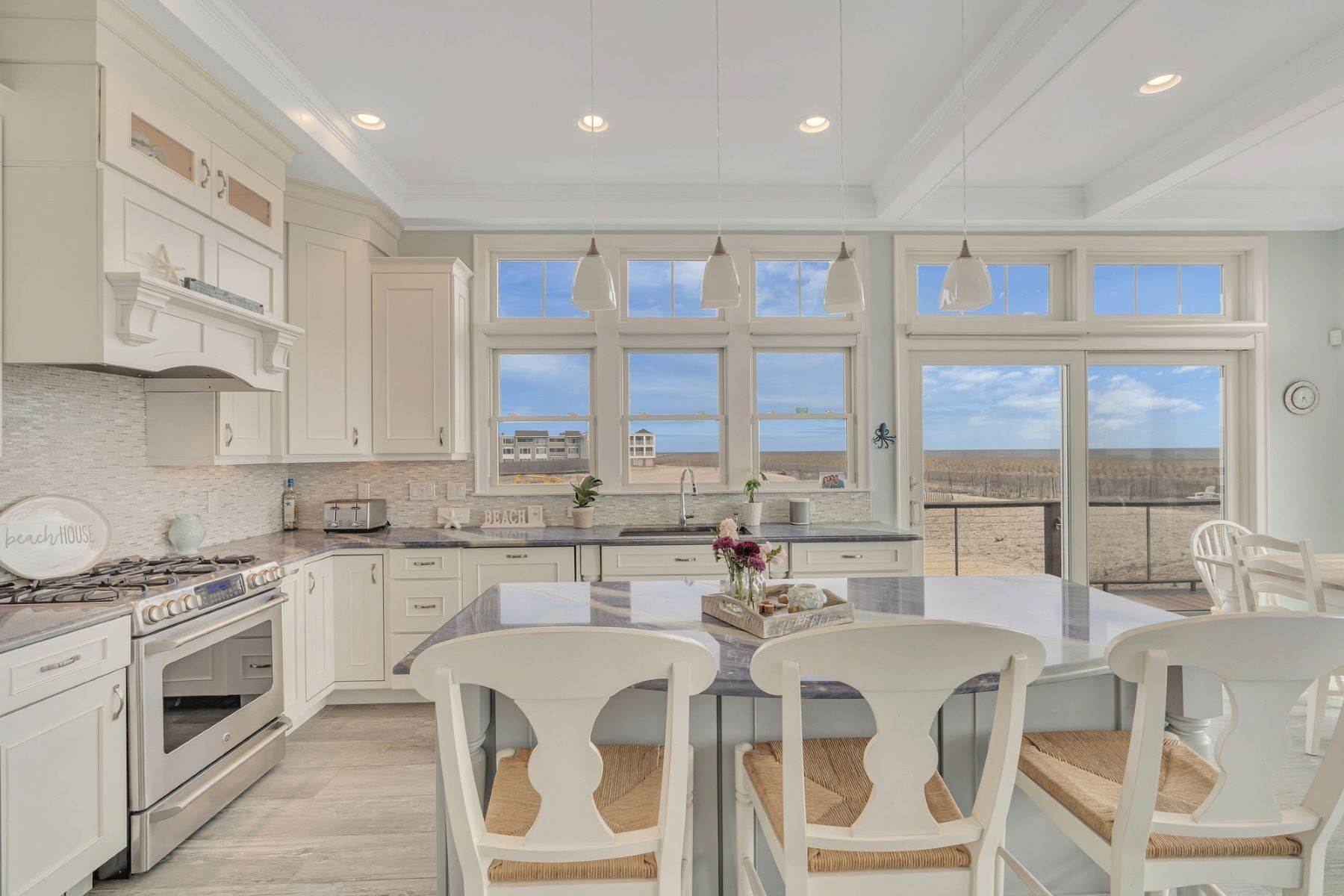9. Single Family Homes for Sale at Truly Spectacular Oceanfront Home Is Exquisitely Designed 100 Lyndhurst Drive Mantoloking, New Jersey 08738 United States