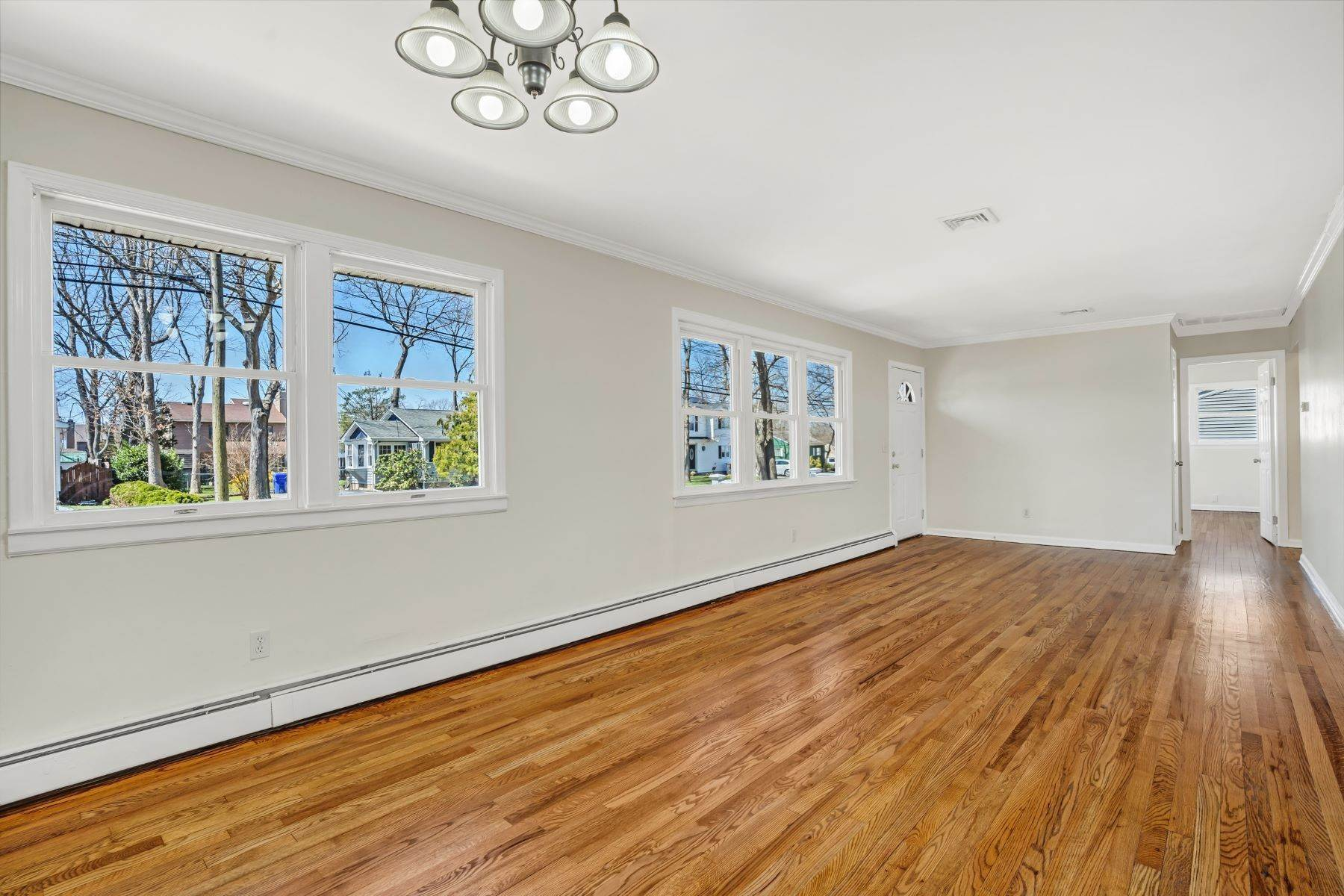 6. Single Family Homes for Sale at Point Pleasant Manor 21 Washington Drive Brick, New Jersey 08724 United States