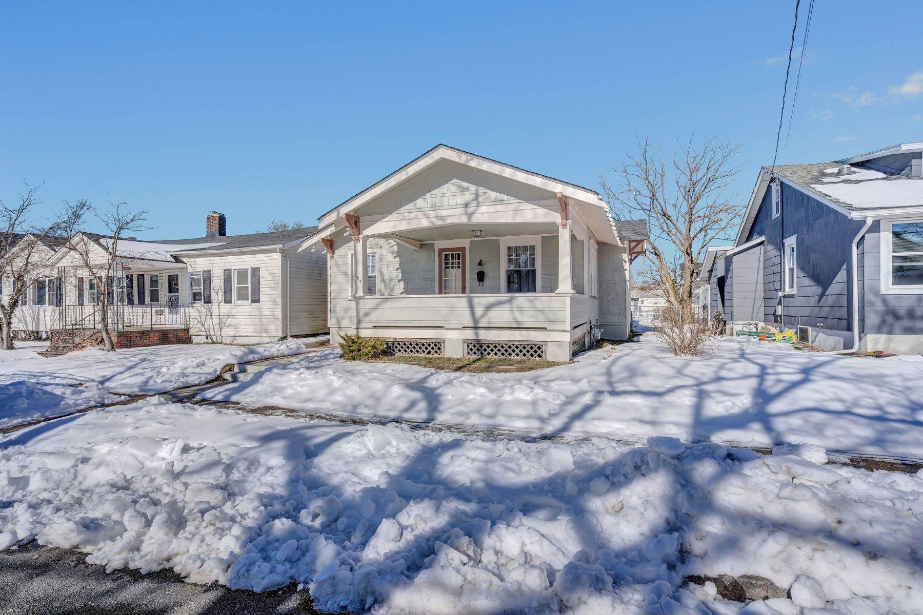 28. Single Family Homes for Sale at Immaculate Craftsman 504 14th Ave Belmar, New Jersey 07719 United States