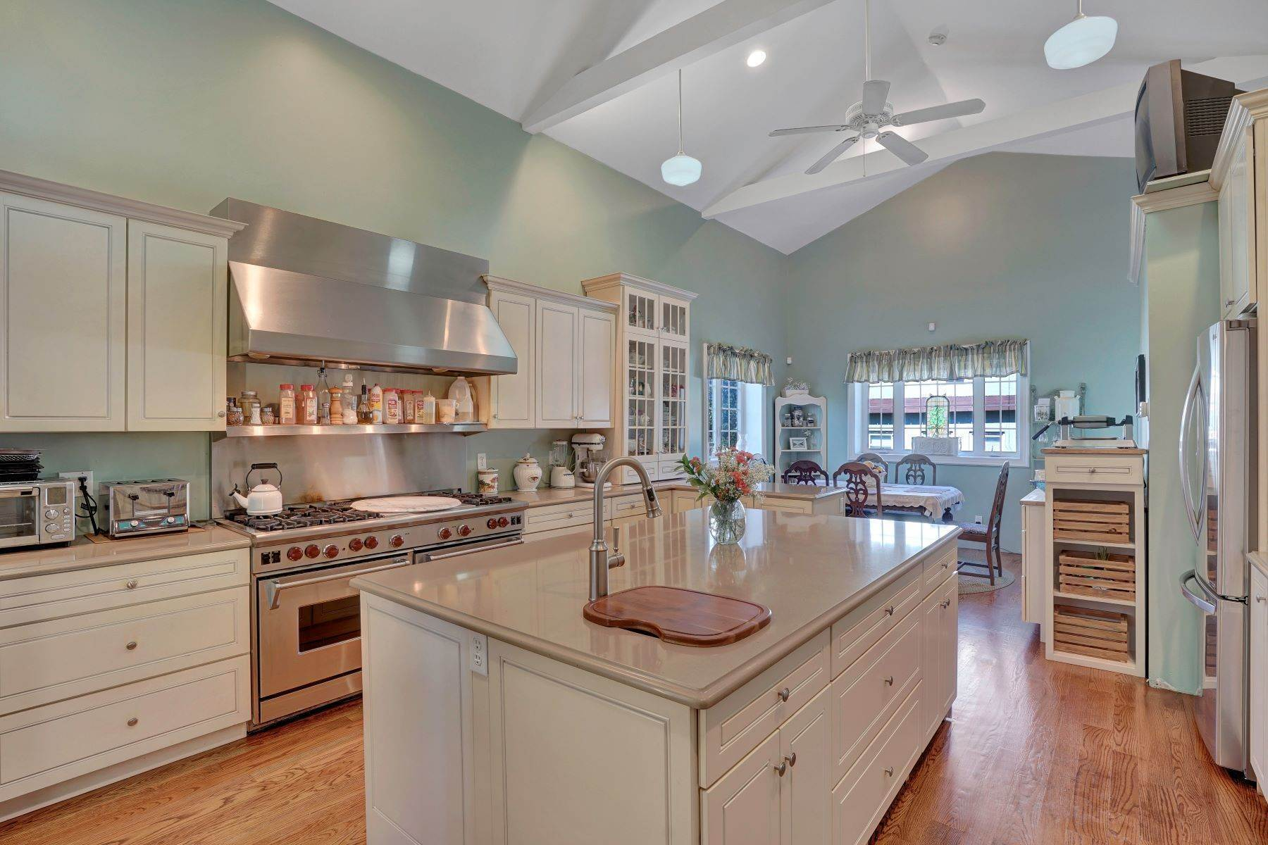 19. Single Family Homes for Sale at Bed and Breakfast in Bradley 204 Third Avenue Bradley Beach, New Jersey 07720 United States