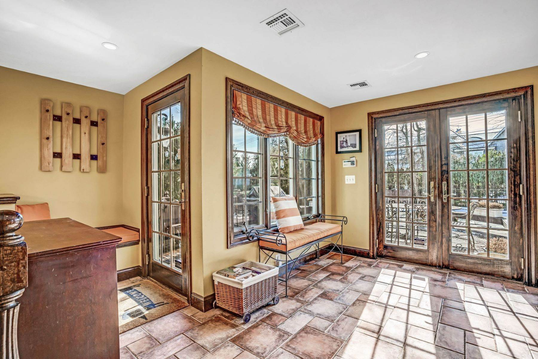 35. Single Family Homes for Sale at Strikingly Beautiful Home 31 Worthington Avenue Spring Lake, New Jersey 07762 United States