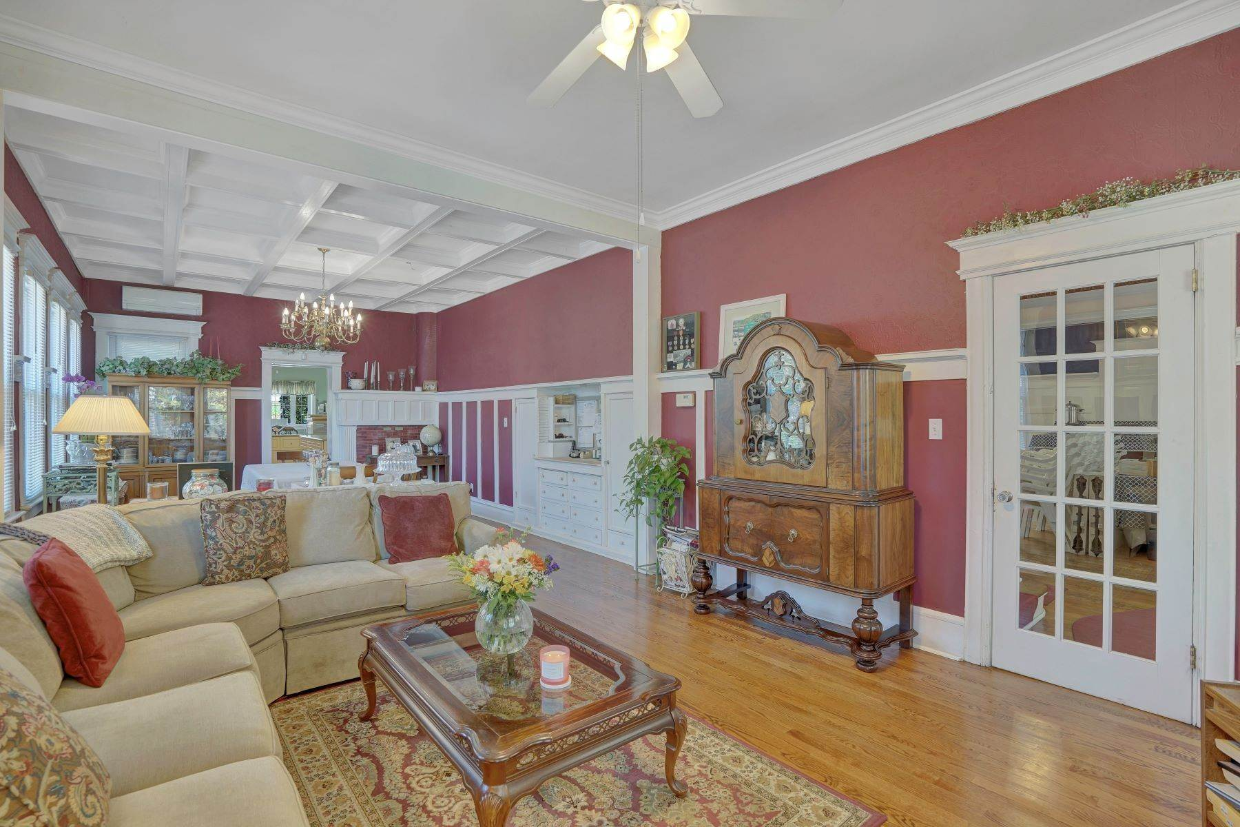 16. Single Family Homes for Sale at Bed and Breakfast in Bradley 204 Third Avenue Bradley Beach, New Jersey 07720 United States