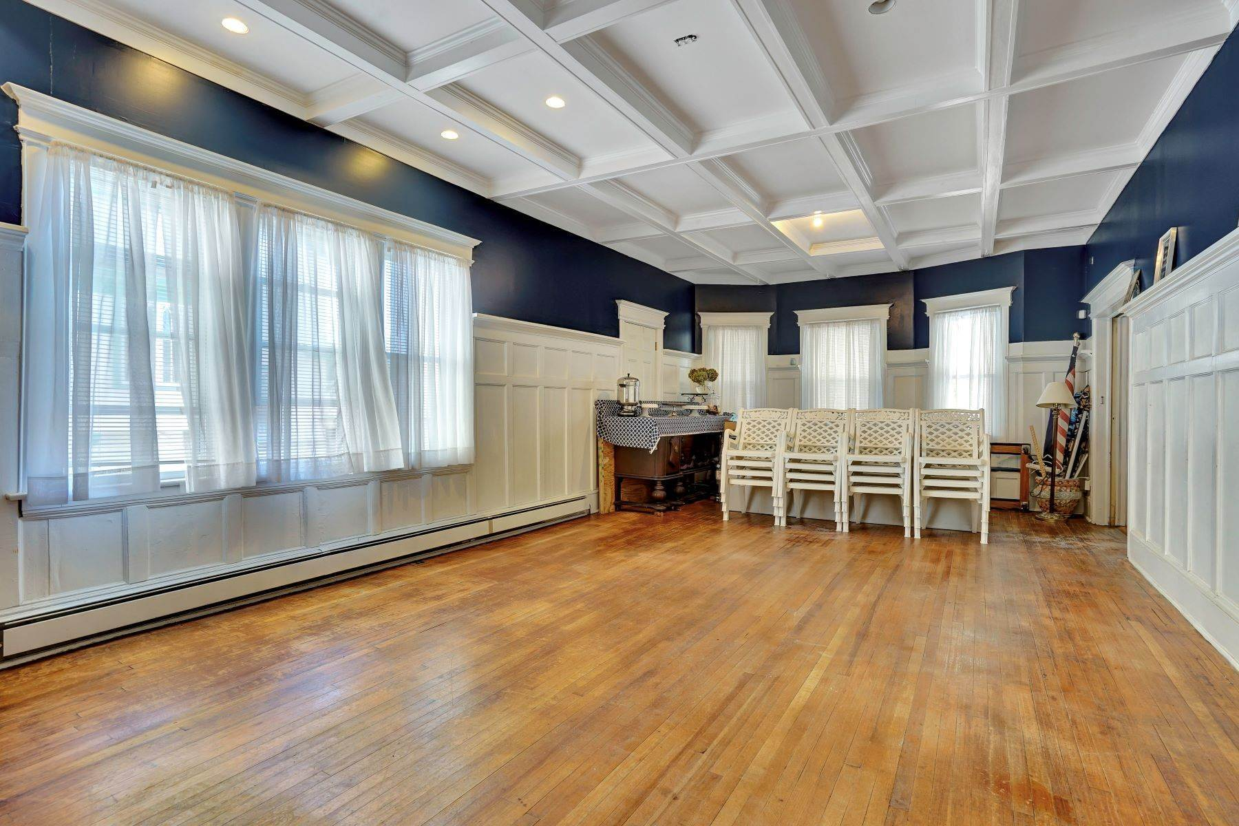 24. Single Family Homes for Sale at Bed and Breakfast in Bradley 204 Third Avenue Bradley Beach, New Jersey 07720 United States