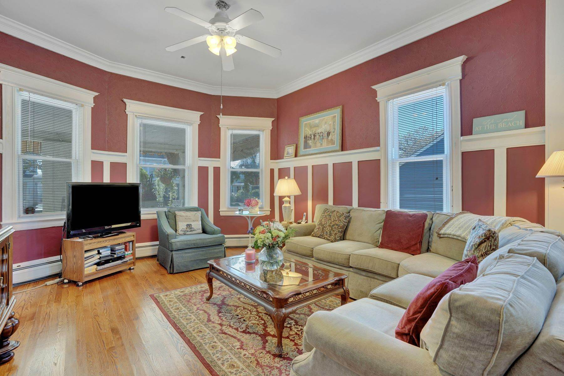 15. Single Family Homes for Sale at Bed and Breakfast in Bradley 204 Third Avenue Bradley Beach, New Jersey 07720 United States