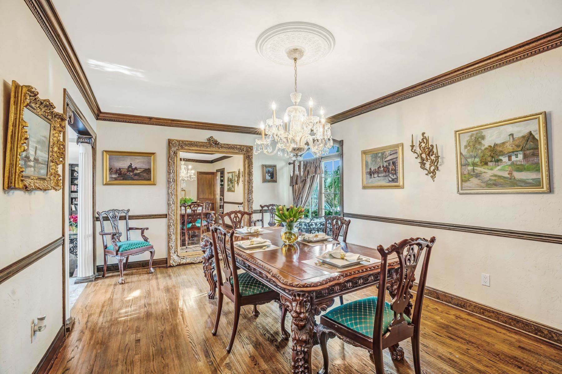 14. Single Family Homes for Sale at Strikingly Beautiful Home 31 Worthington Avenue Spring Lake, New Jersey 07762 United States