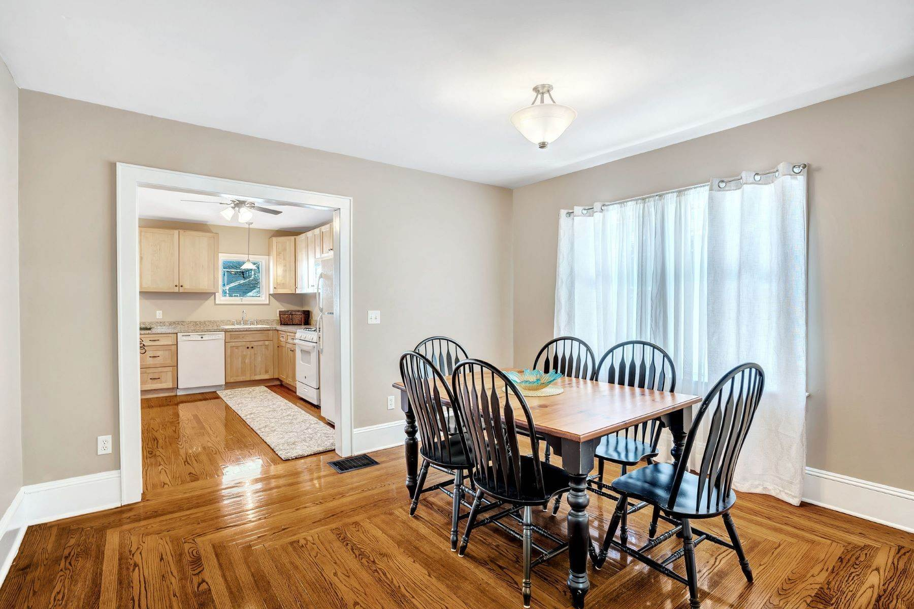 9. Single Family Homes for Sale at Immaculate Craftsman 504 14th Ave Belmar, New Jersey 07719 United States