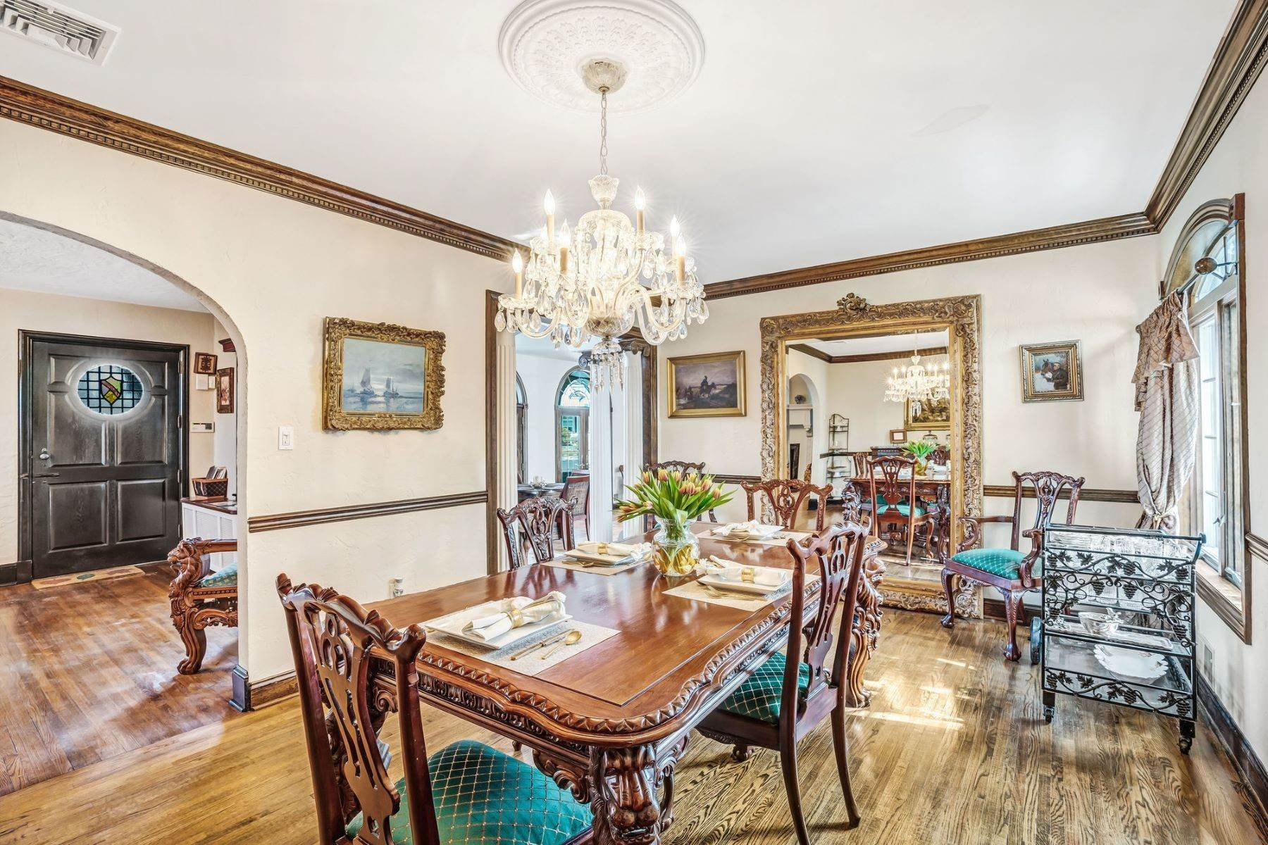 2. Single Family Homes for Sale at Strikingly Beautiful Home 31 Worthington Avenue Spring Lake, New Jersey 07762 United States