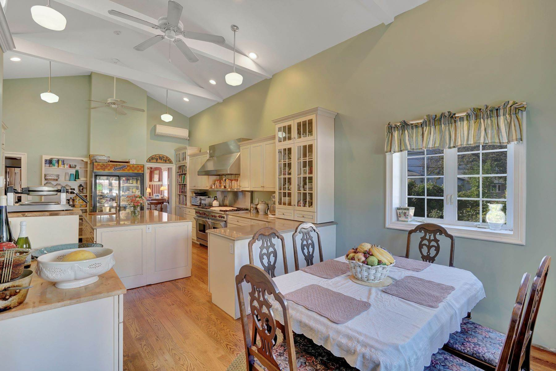 22. Single Family Homes for Sale at Bed and Breakfast in Bradley 204 Third Avenue Bradley Beach, New Jersey 07720 United States
