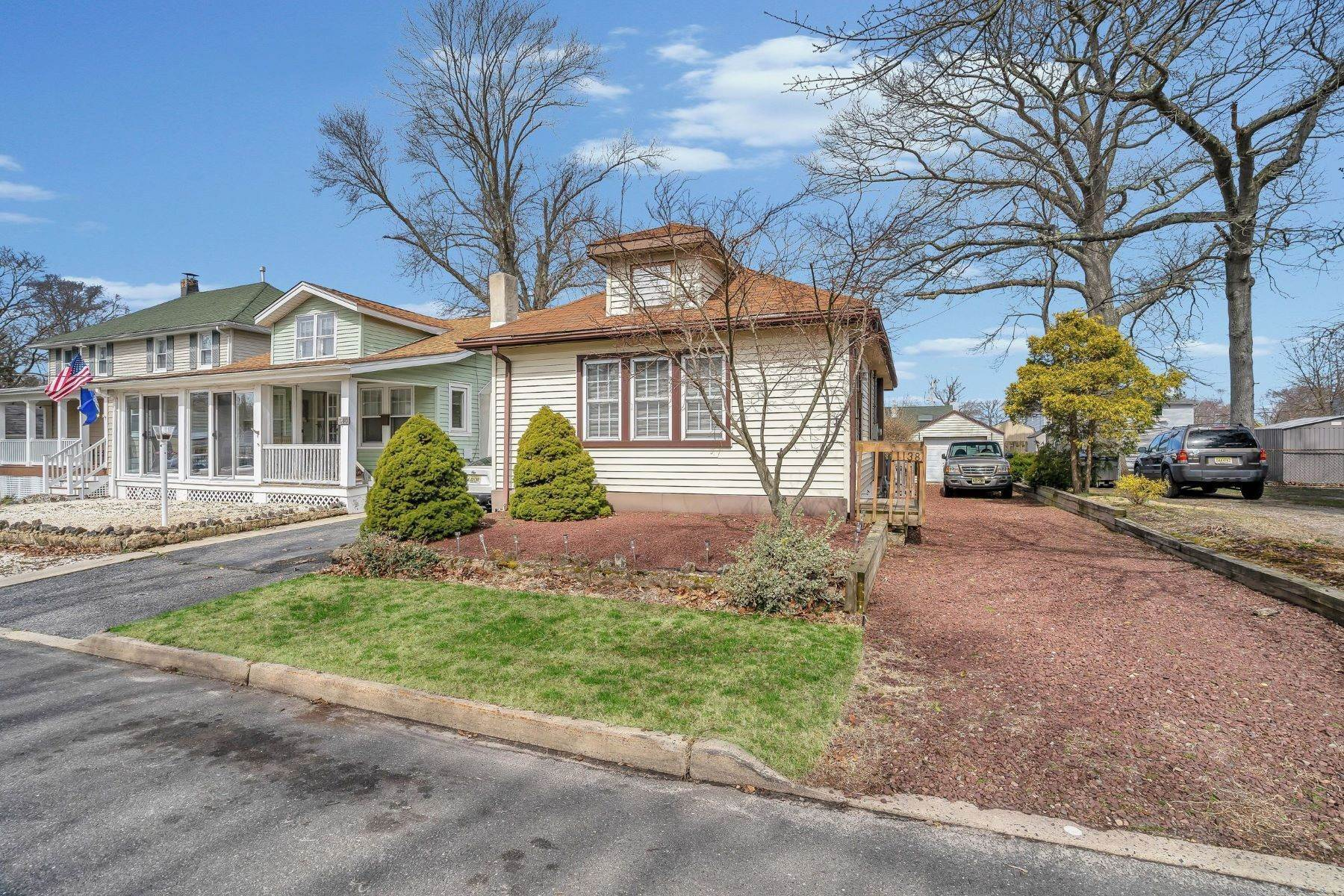 6. Single Family Homes for Sale at Charming Cottage 1138 Curtis Avenue Wall, New Jersey 07719 United States