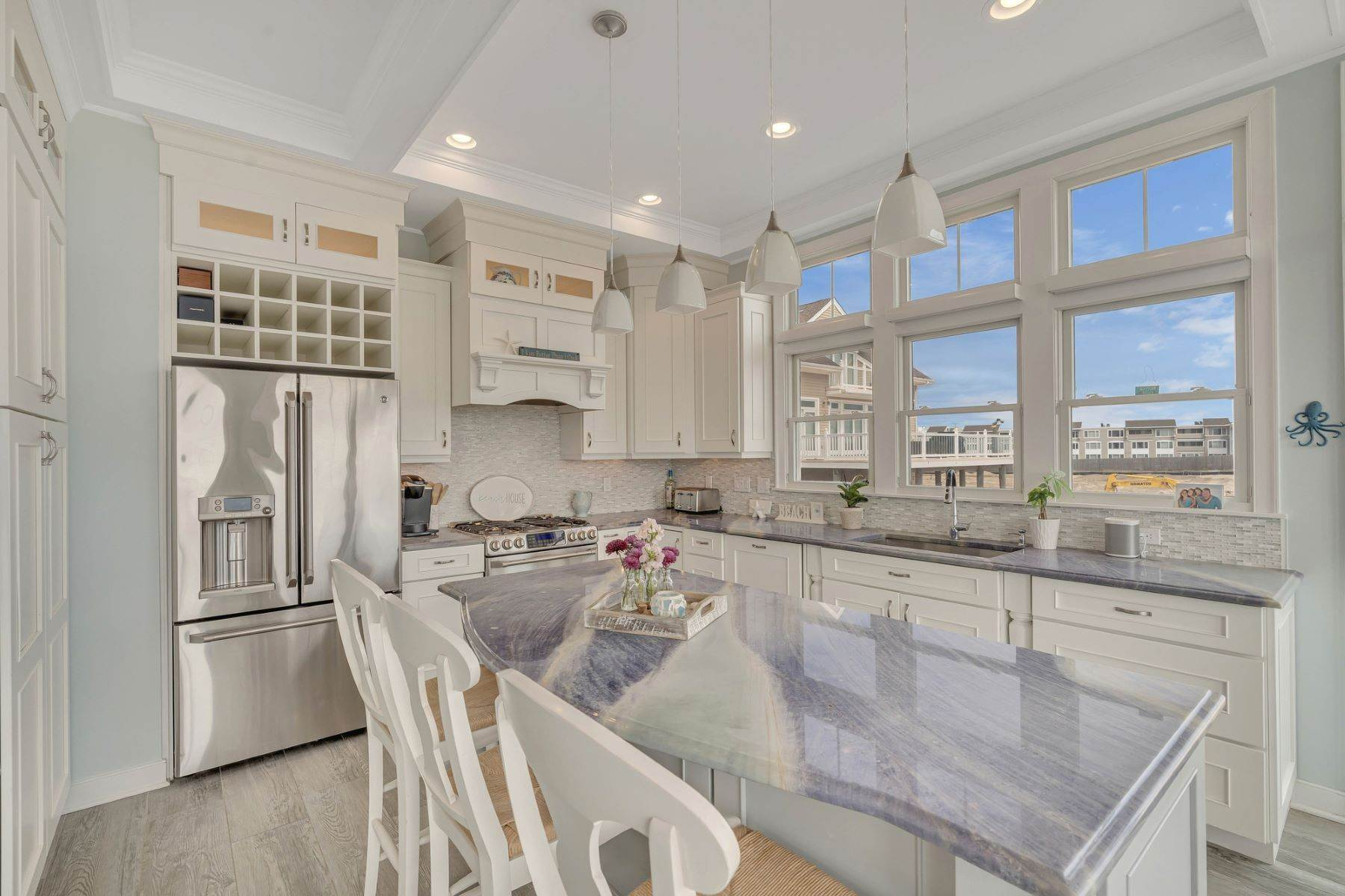 8. Single Family Homes for Sale at Truly Spectacular Oceanfront Home Is Exquisitely Designed 100 Lyndhurst Drive Mantoloking, New Jersey 08738 United States