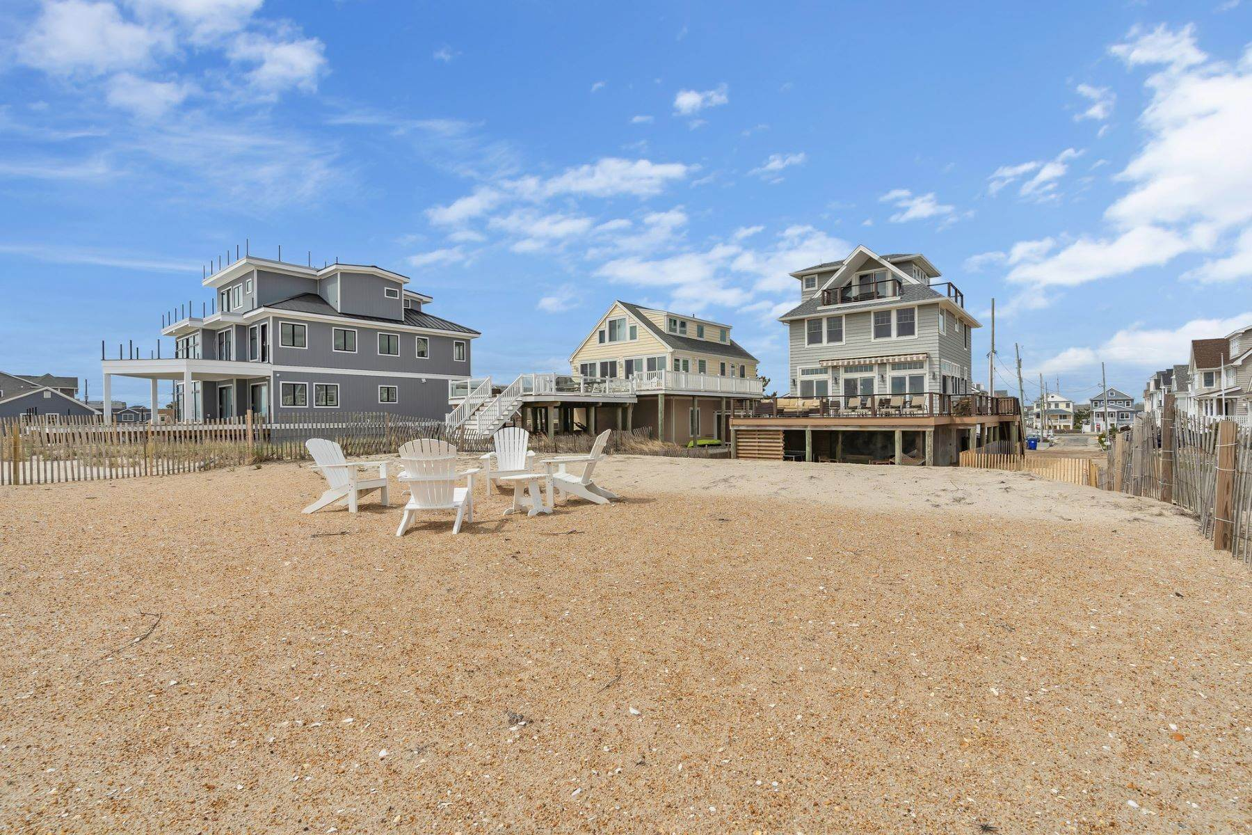 40. Single Family Homes for Sale at Truly Spectacular Oceanfront Home Is Exquisitely Designed 100 Lyndhurst Drive Mantoloking, New Jersey 08738 United States