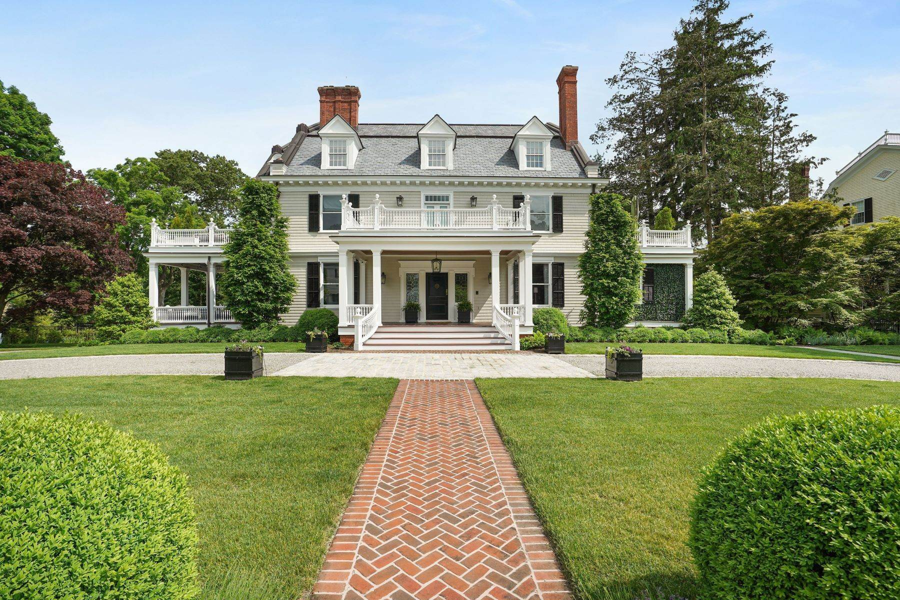 Single Family Homes for Sale at A Journey Into A Sophisticated Lifestyle 76 Miller Road Morristown, New Jersey 07960 United States