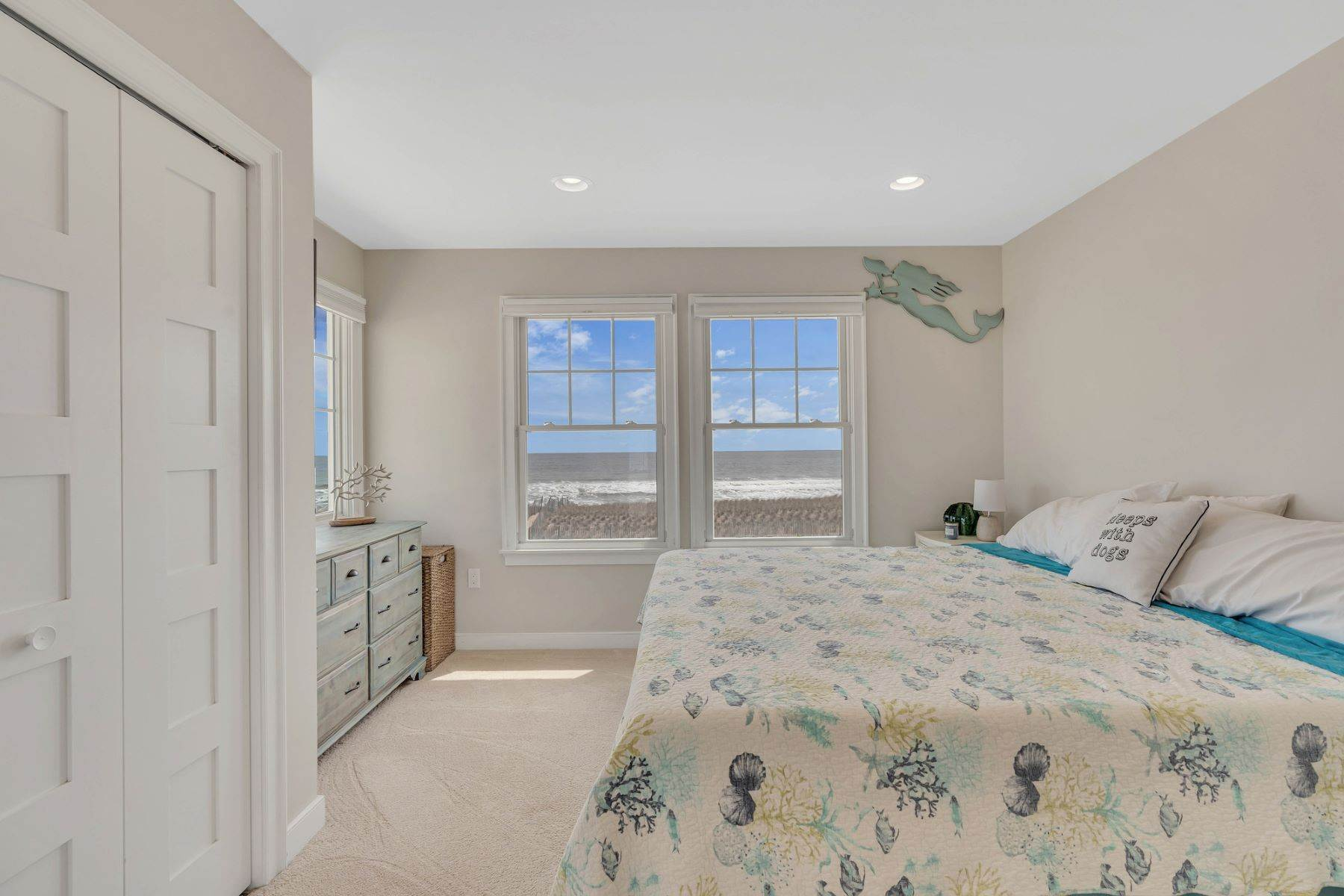17. Single Family Homes for Sale at Truly Spectacular Oceanfront Home Is Exquisitely Designed 100 Lyndhurst Drive Mantoloking, New Jersey 08738 United States