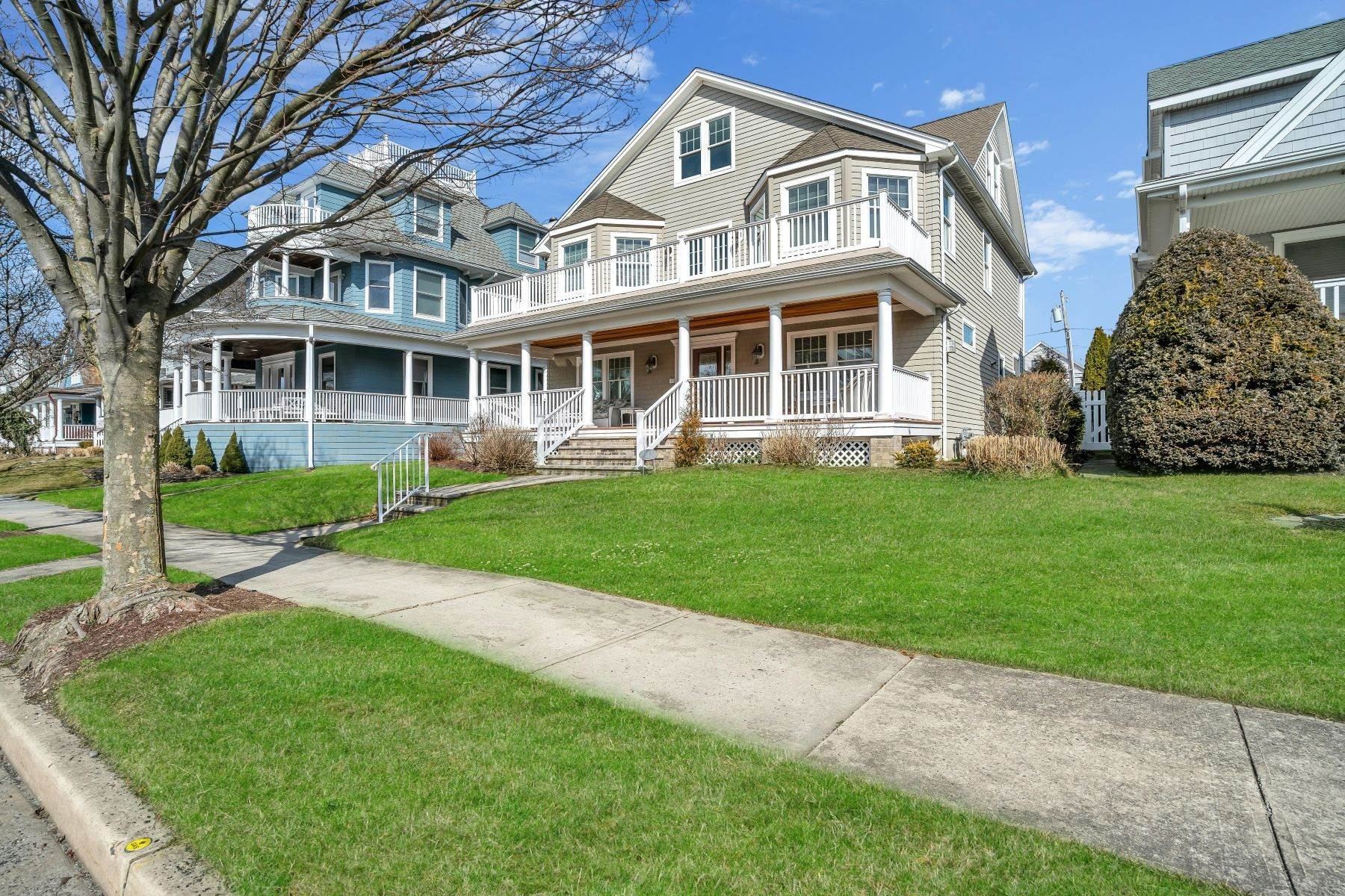 Single Family Homes for Sale at Spacious and Modern Home 112 Sylvania Avenue Avon by the Sea, New Jersey 07717 United States