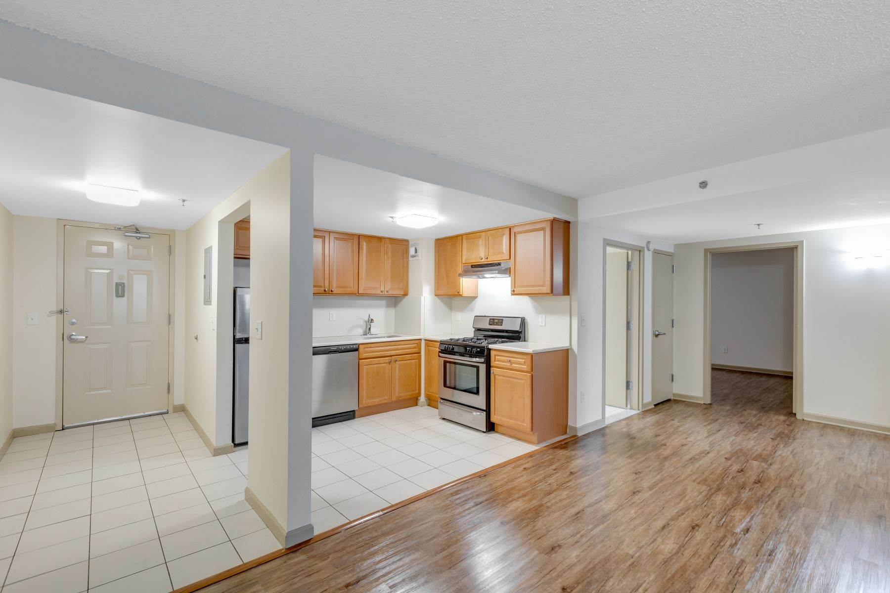 Other Residential Homes at Welcome to Peninsula Court. Spacious 2 bedroom in Elevator building . 22-34 West 25th Street, Unit 1C Bayonne, New Jersey 07002 United States