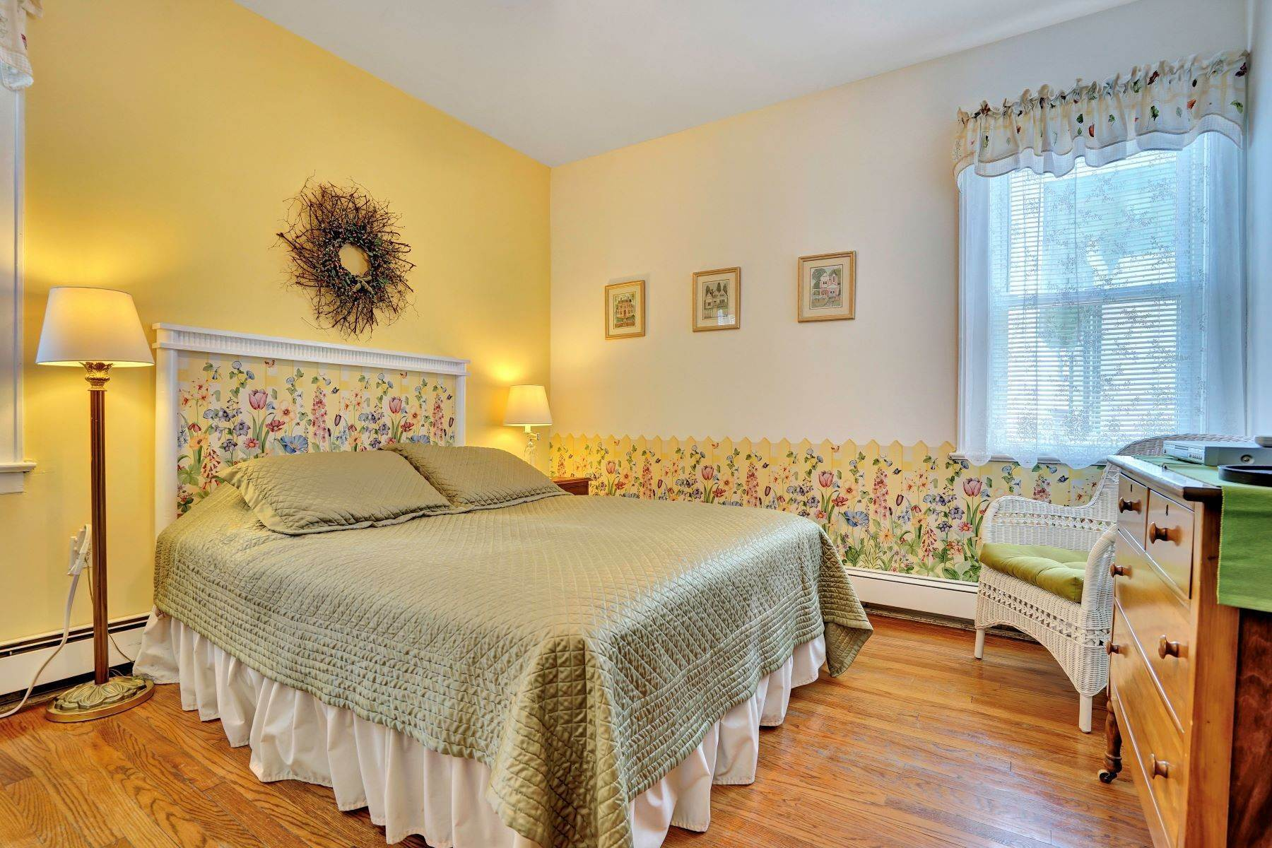 36. Single Family Homes for Sale at Bed and Breakfast in Bradley 204 Third Avenue Bradley Beach, New Jersey 07720 United States