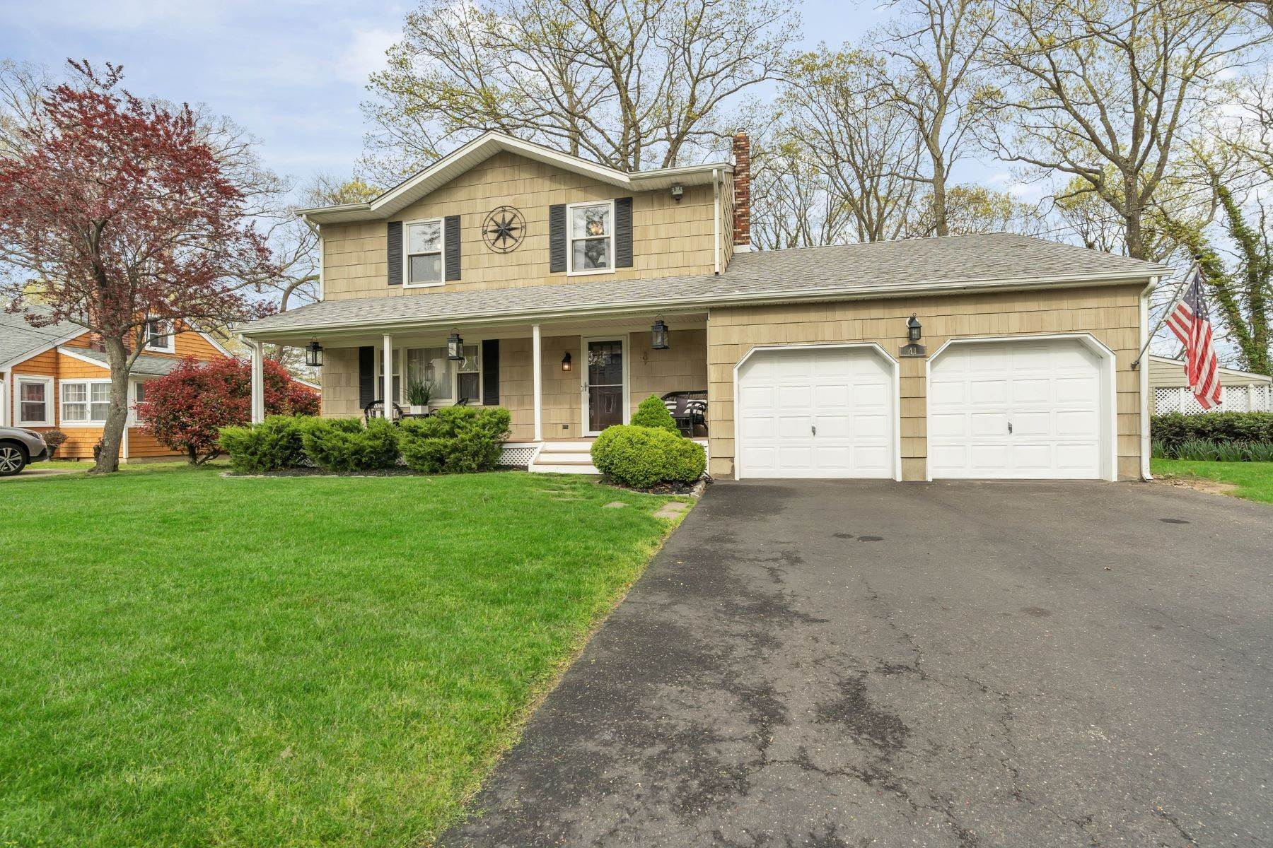 3. Single Family Homes for Sale at Delightful Colonial 41 Pinewood Drive Neptune, New Jersey 07753 United States