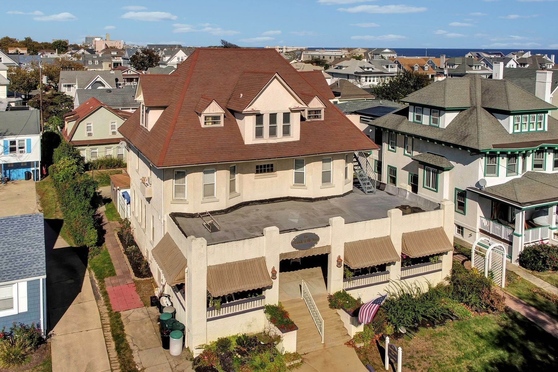 4. Single Family Homes for Sale at Bed and Breakfast in Bradley 204 Third Avenue Bradley Beach, New Jersey 07720 United States