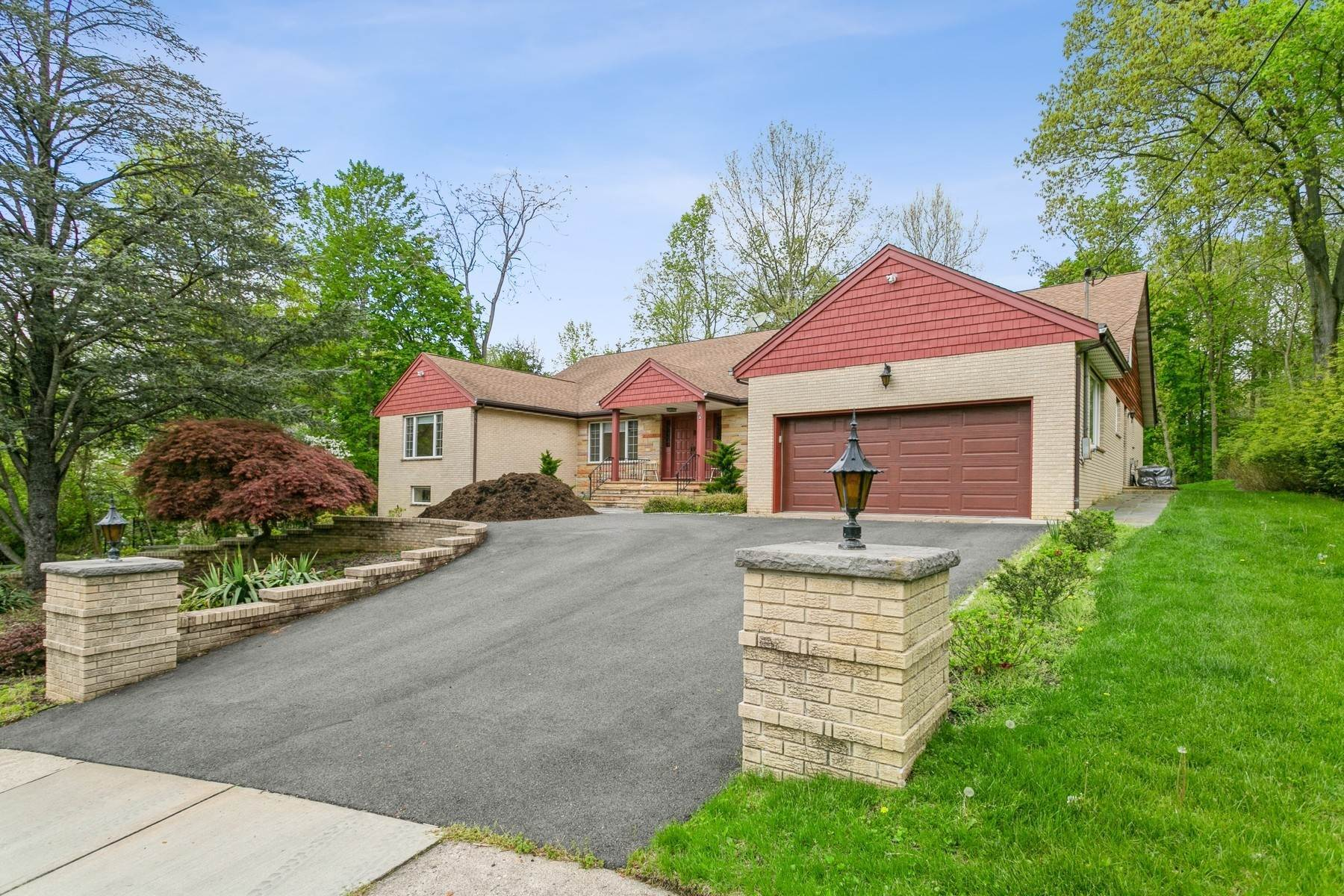Single Family Homes for Sale at East Hill 75 Bowers Ln Closter, New Jersey 07624 United States