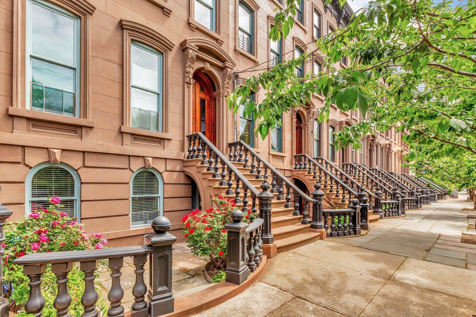 Other Residential Homes at Top Floor in this classic Brownstone. 276 Montgomery Street, Unit 4 Jersey City, New Jersey 07302 United States