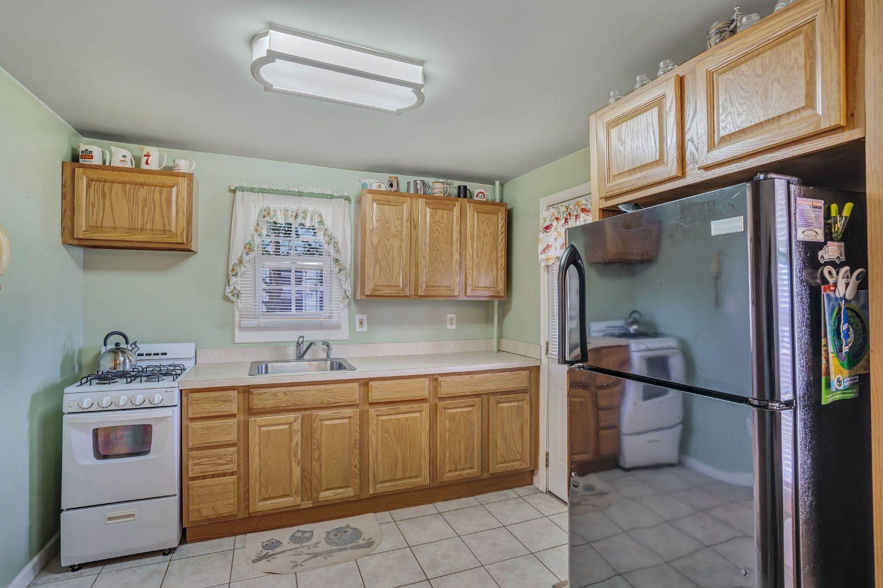 17. Single Family Homes for Sale at Charming Cottage 1138 Curtis Avenue Wall, New Jersey 07719 United States