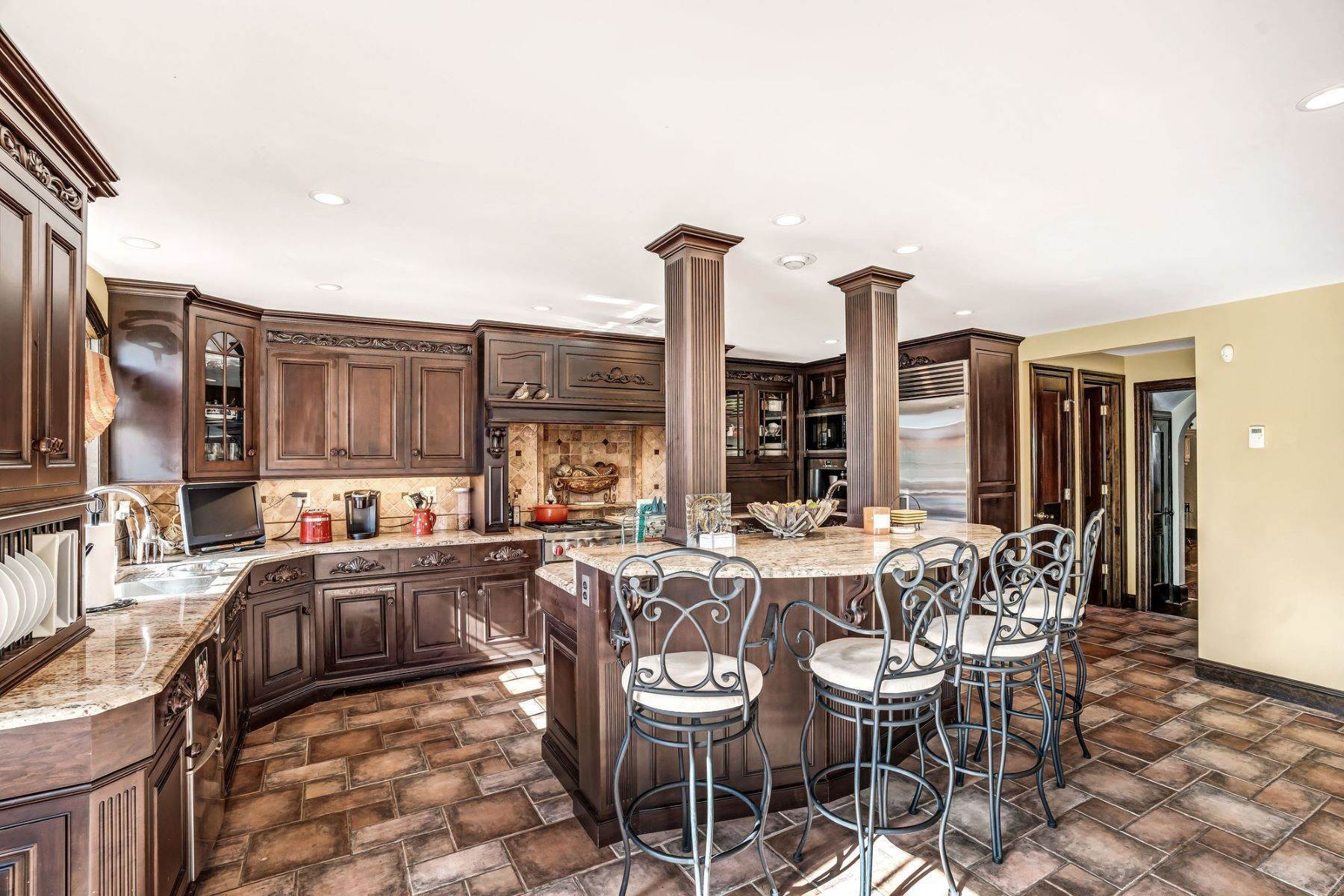 28. Single Family Homes for Sale at Strikingly Beautiful Home 31 Worthington Avenue Spring Lake, New Jersey 07762 United States