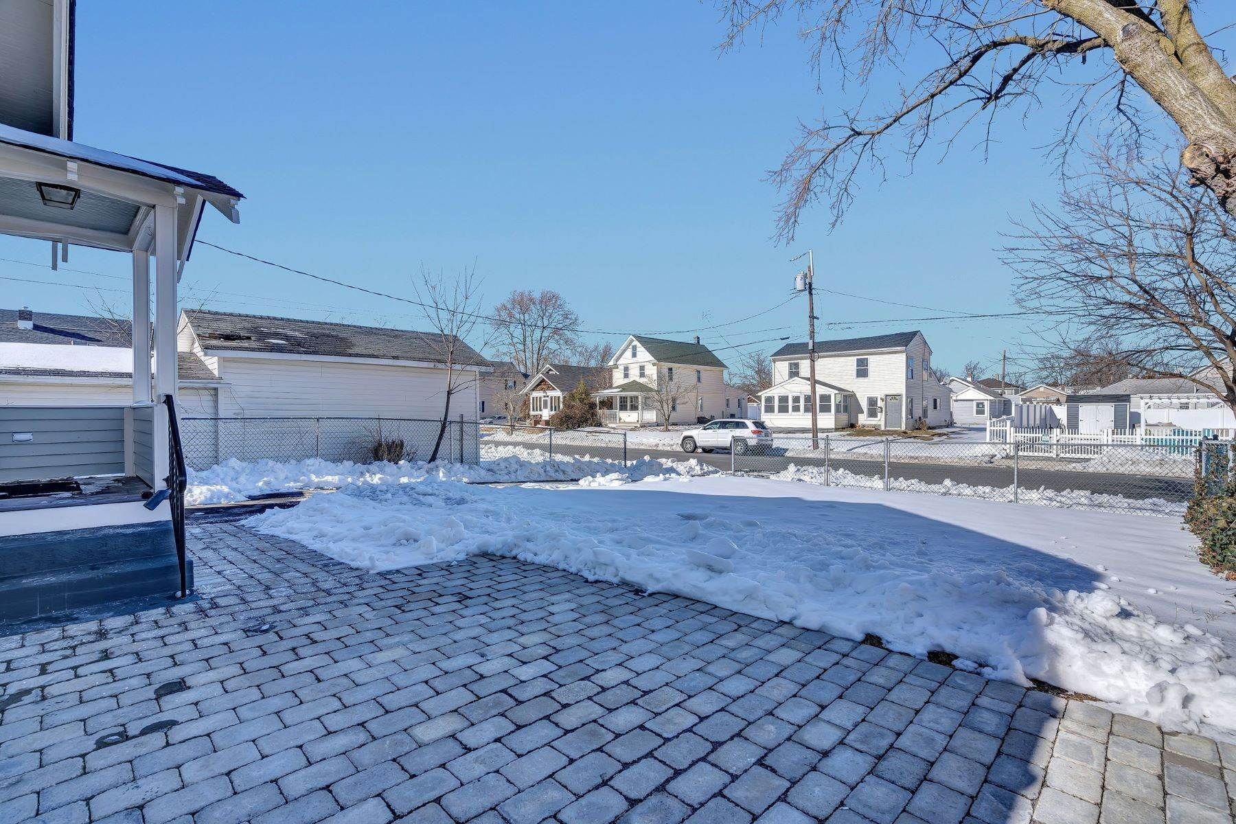 27. Single Family Homes for Sale at Immaculate Craftsman 504 14th Ave Belmar, New Jersey 07719 United States